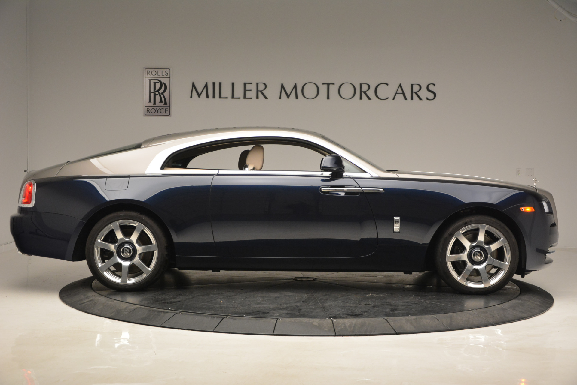 Used 2015 Rolls-Royce Wraith  For Sale In Westport, CT 1013_p9