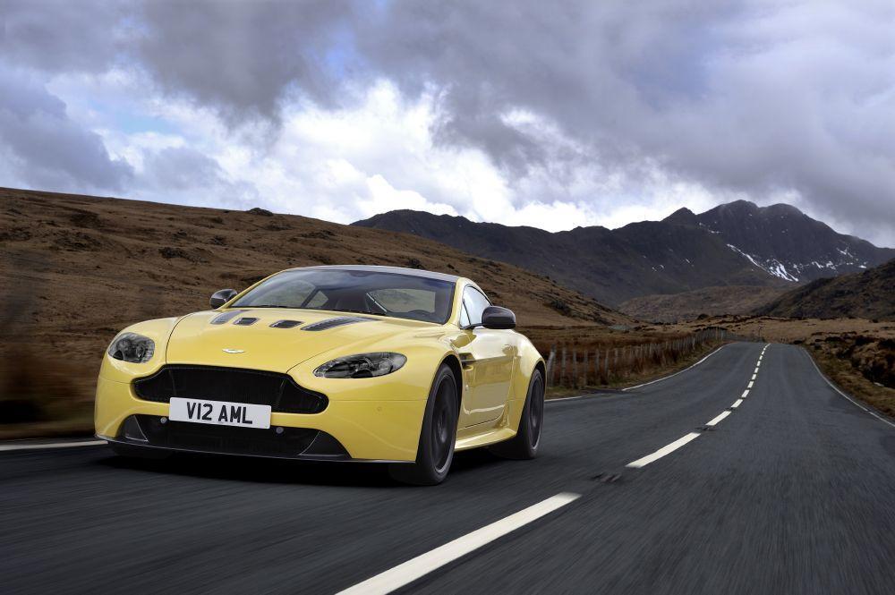 New 2017 Aston Martin V12 Vantage S  For Sale In Westport, CT 102_main