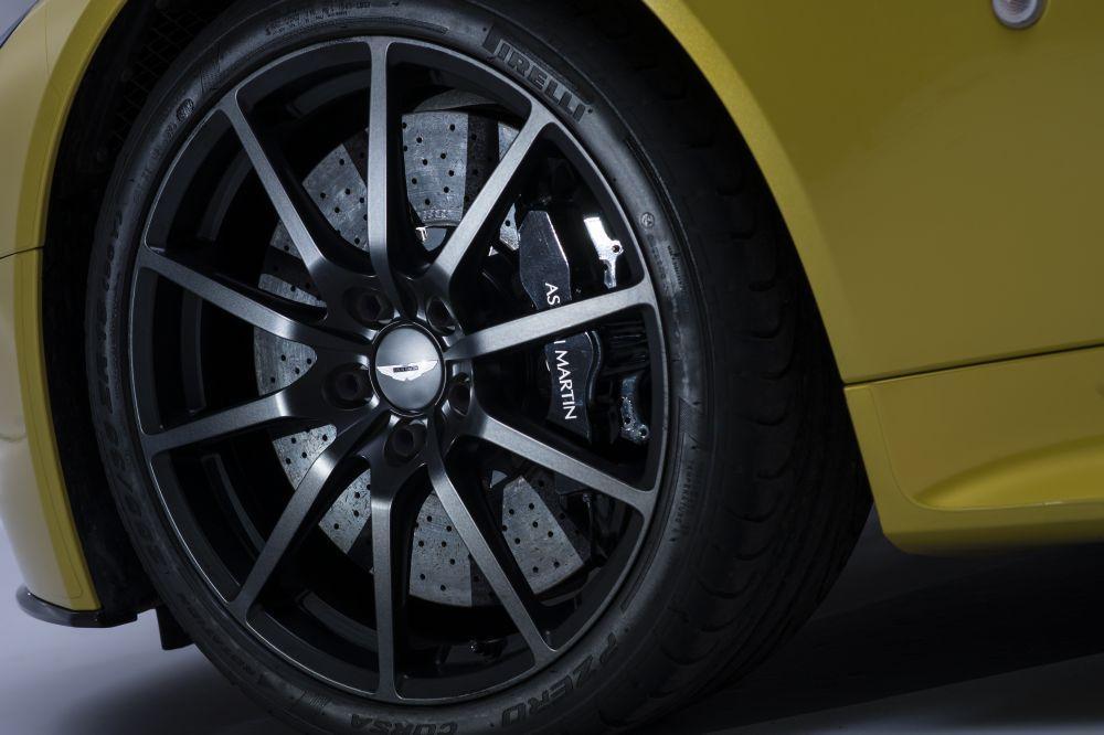 New 2017 Aston Martin V12 Vantage S  For Sale In Westport, CT 102_p7
