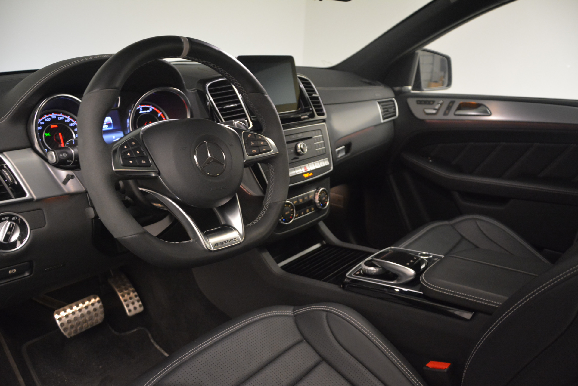 Used 2016 Mercedes Benz AMG GLE63 S For Sale In Westport, CT 1025_p16