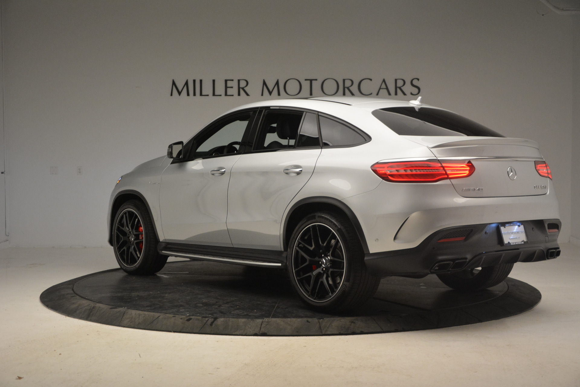Used 2016 Mercedes Benz AMG GLE63 S For Sale In Westport, CT 1025_p4