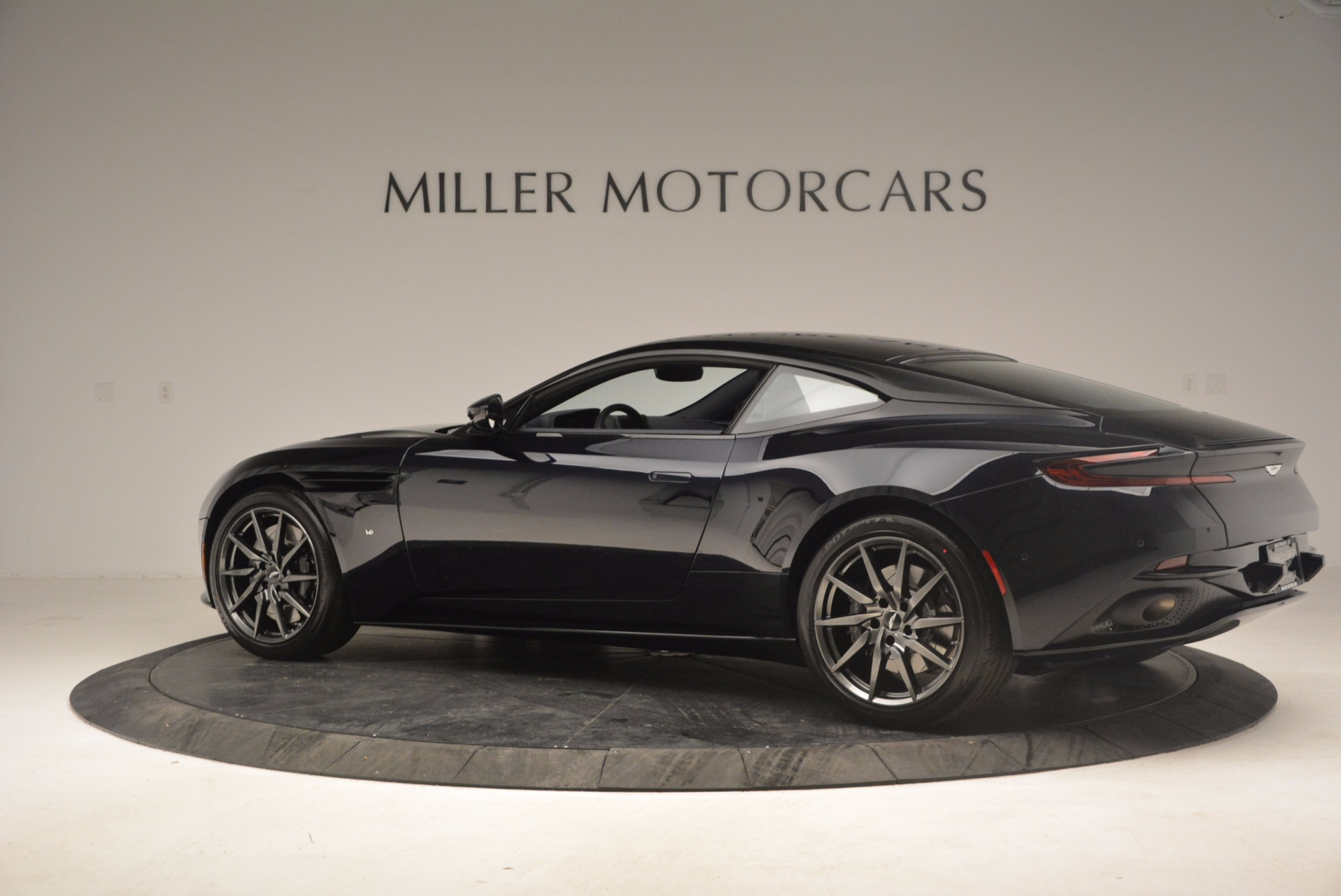 Used 2017 Aston Martin DB11 V12 Coupe For Sale In Westport, CT 1026_p4