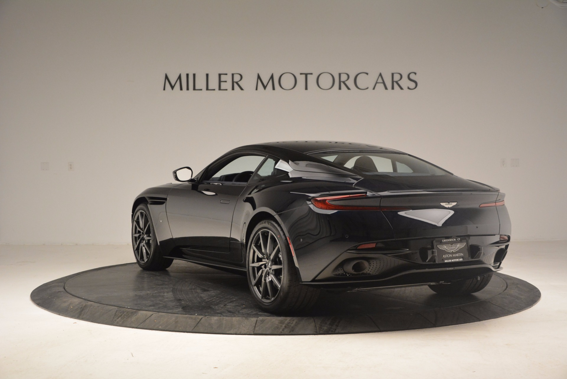 Used 2017 Aston Martin DB11 V12 Coupe For Sale In Westport, CT 1026_p5