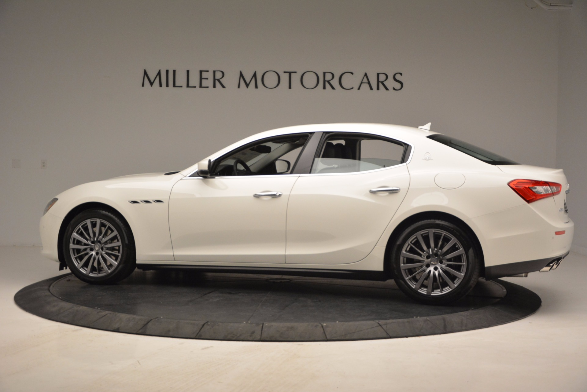 New 2017 Maserati Ghibli S Q4 EX-Loaner For Sale In Westport, CT 1031_p4