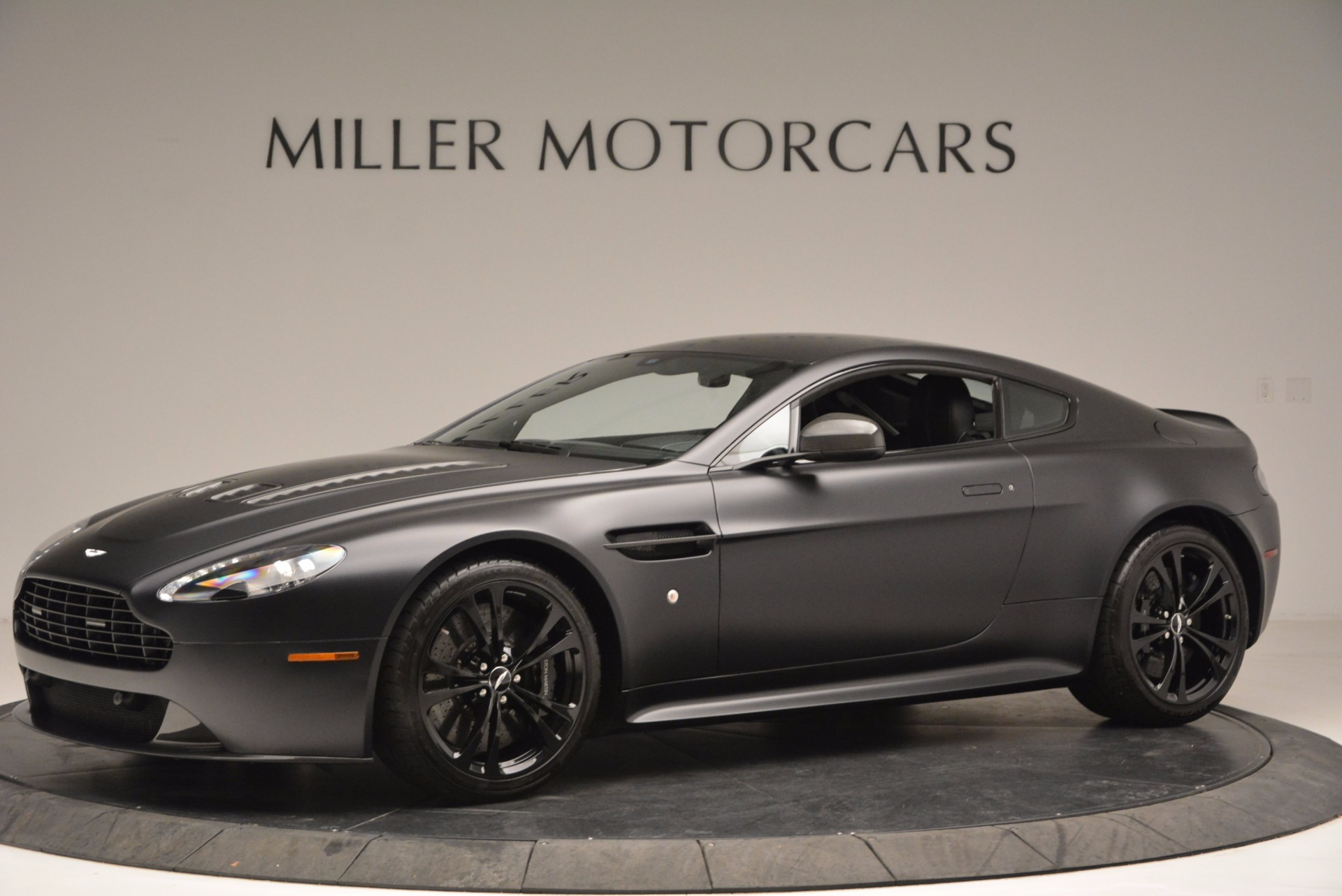 2012 Aston Martin V12 Vantage Carbon Black Stock A1214a For Sale