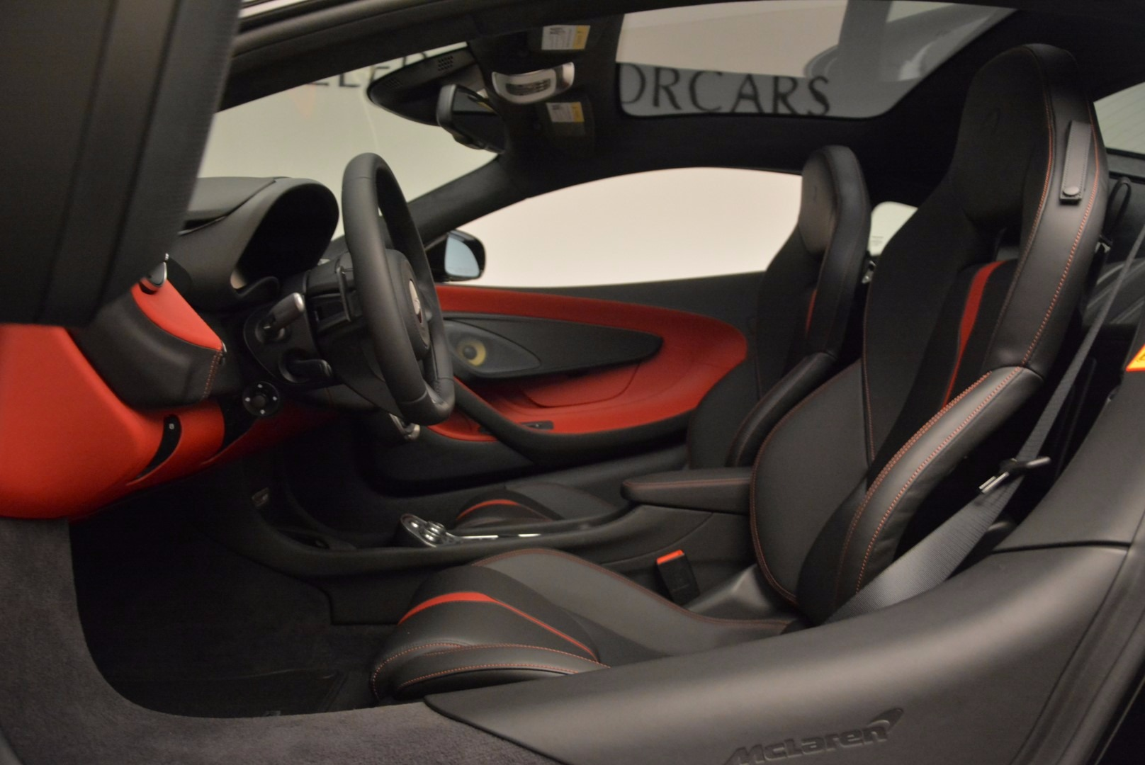 Used 2017 McLaren 570GT  For Sale In Westport, CT 1055_p17