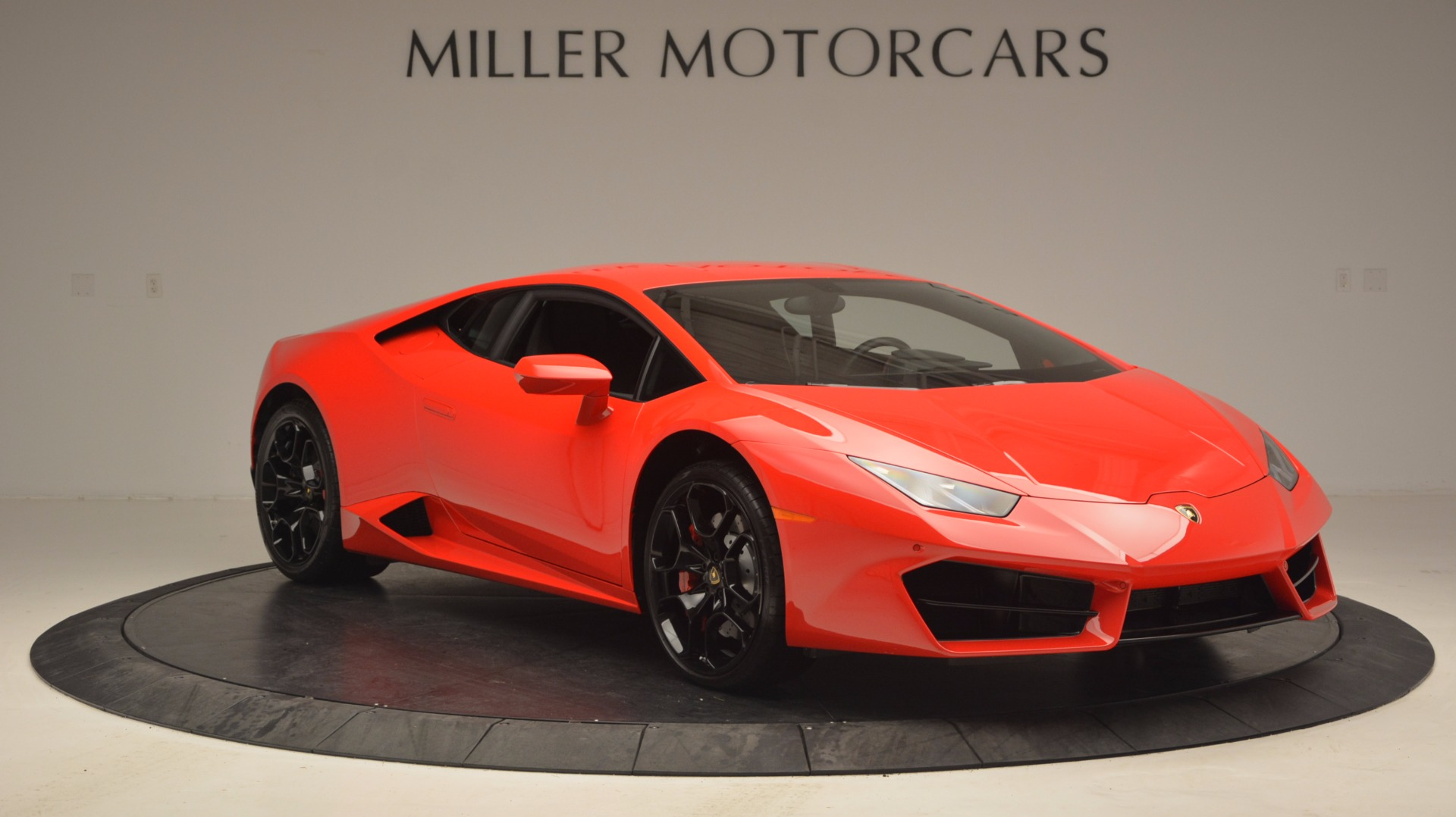 Used 2016 Lamborghini Huracan LP 580-2 For Sale In Westport, CT 1070_p11