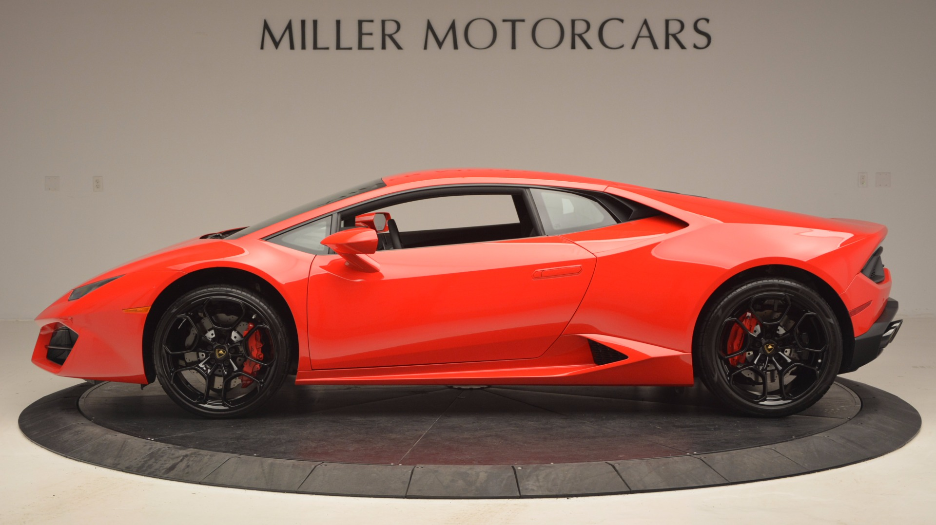 Used 2016 Lamborghini Huracan LP 580-2 For Sale In Westport, CT 1070_p3