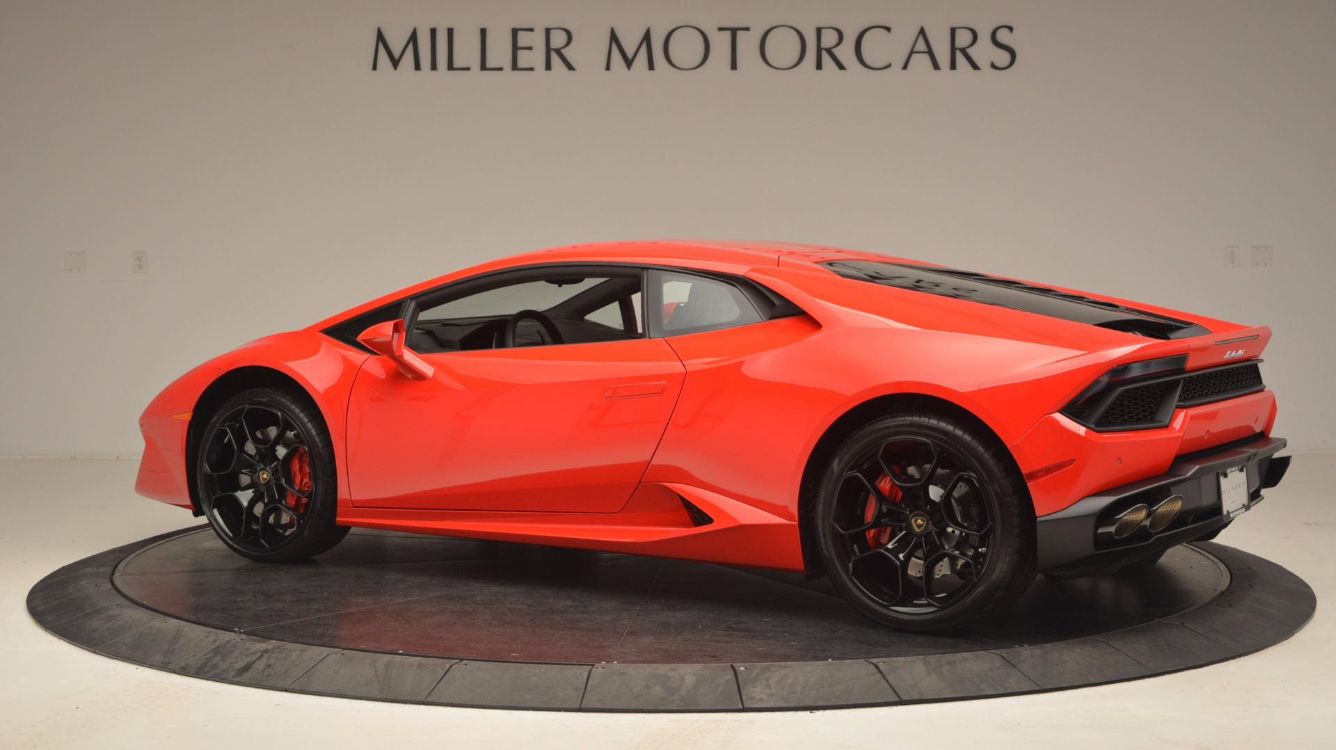 Used 2016 Lamborghini Huracan LP 580-2 For Sale In Westport, CT 1070_p4