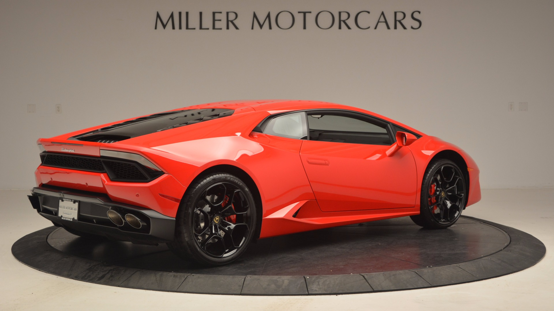 Used 2016 Lamborghini Huracan LP 580-2 For Sale In Westport, CT 1070_p8