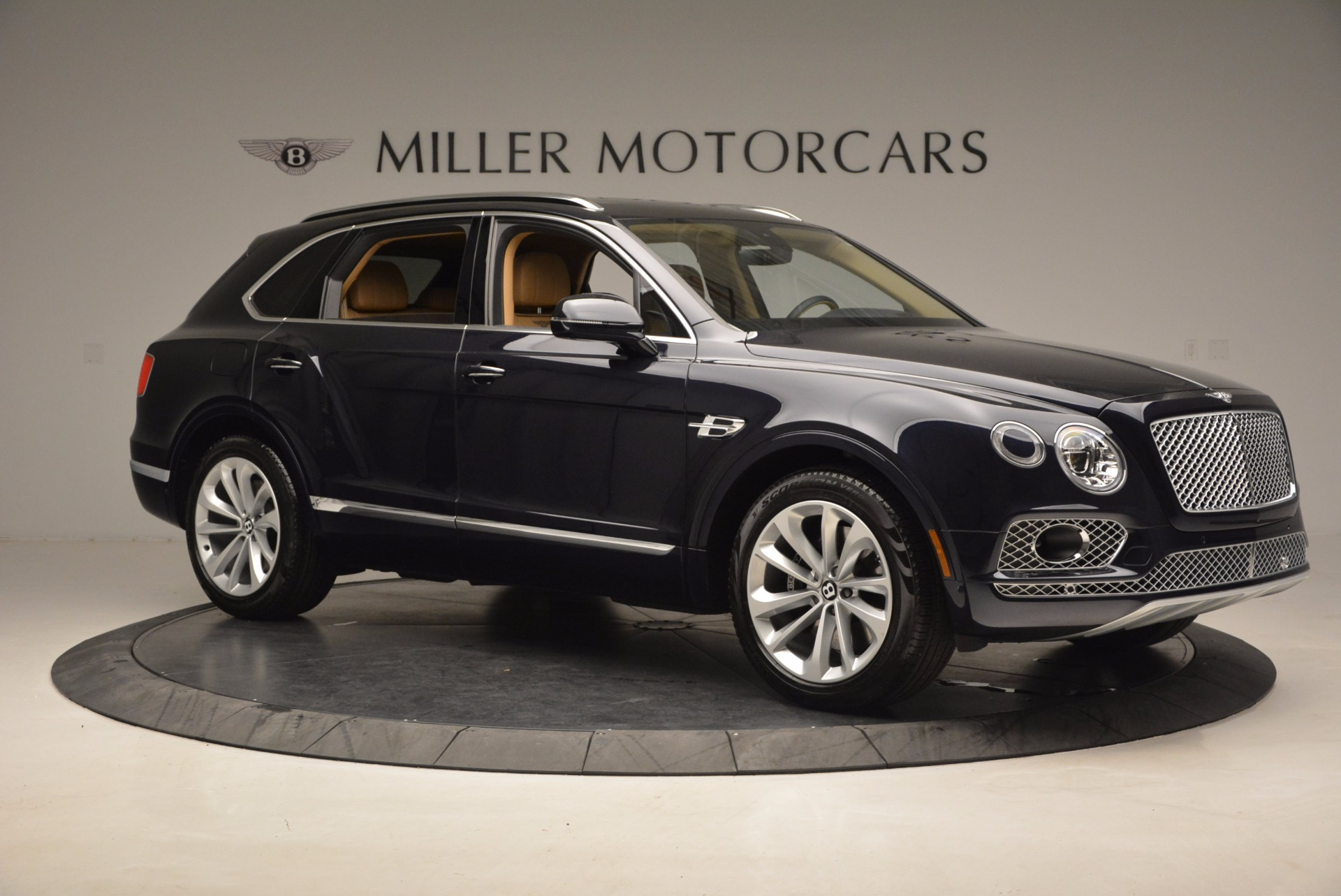 Used 2017 Bentley Bentayga W12 For Sale In Westport, CT 1077_p10