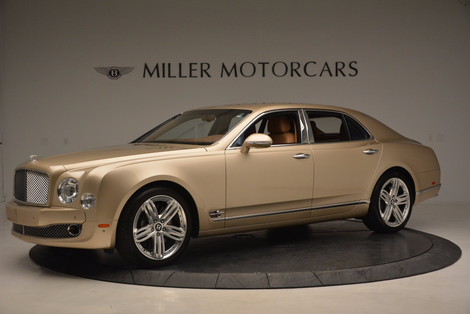 Used 2011 Bentley Mulsanne  For Sale In Westport, CT 1081_p2
