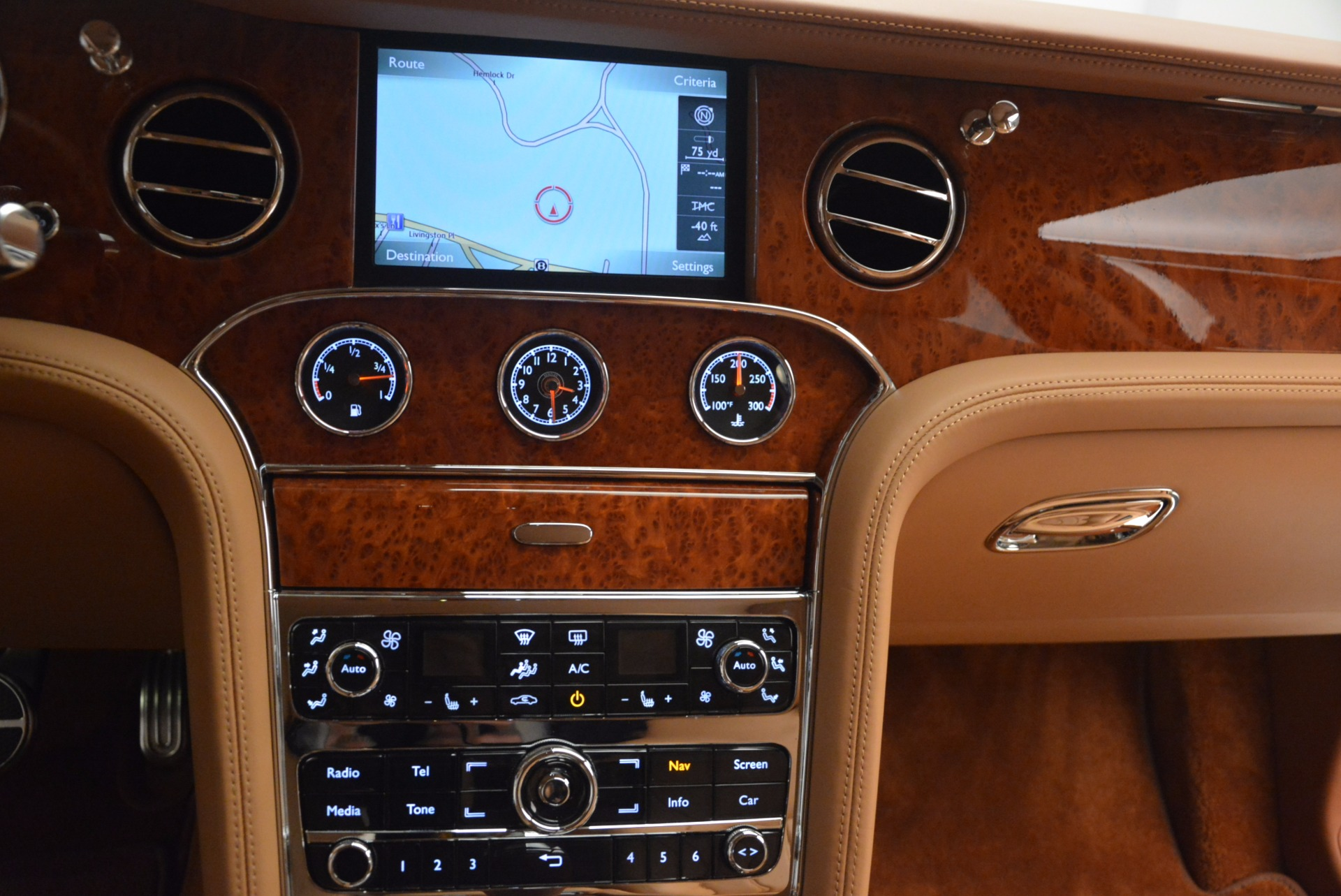 Used 2011 Bentley Mulsanne  For Sale In Westport, CT 1081_p44