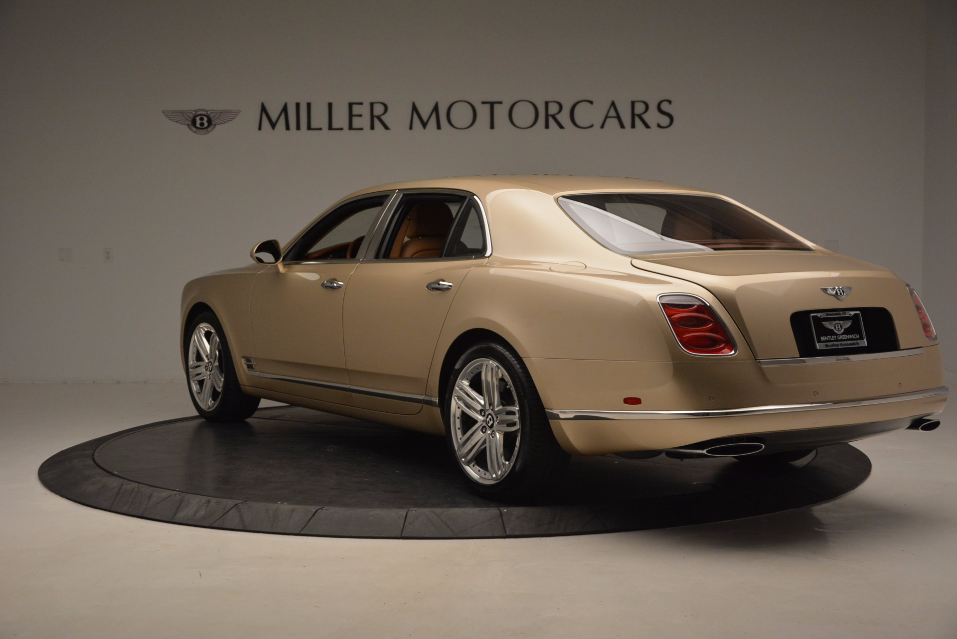 Used 2011 Bentley Mulsanne  For Sale In Westport, CT 1081_p5