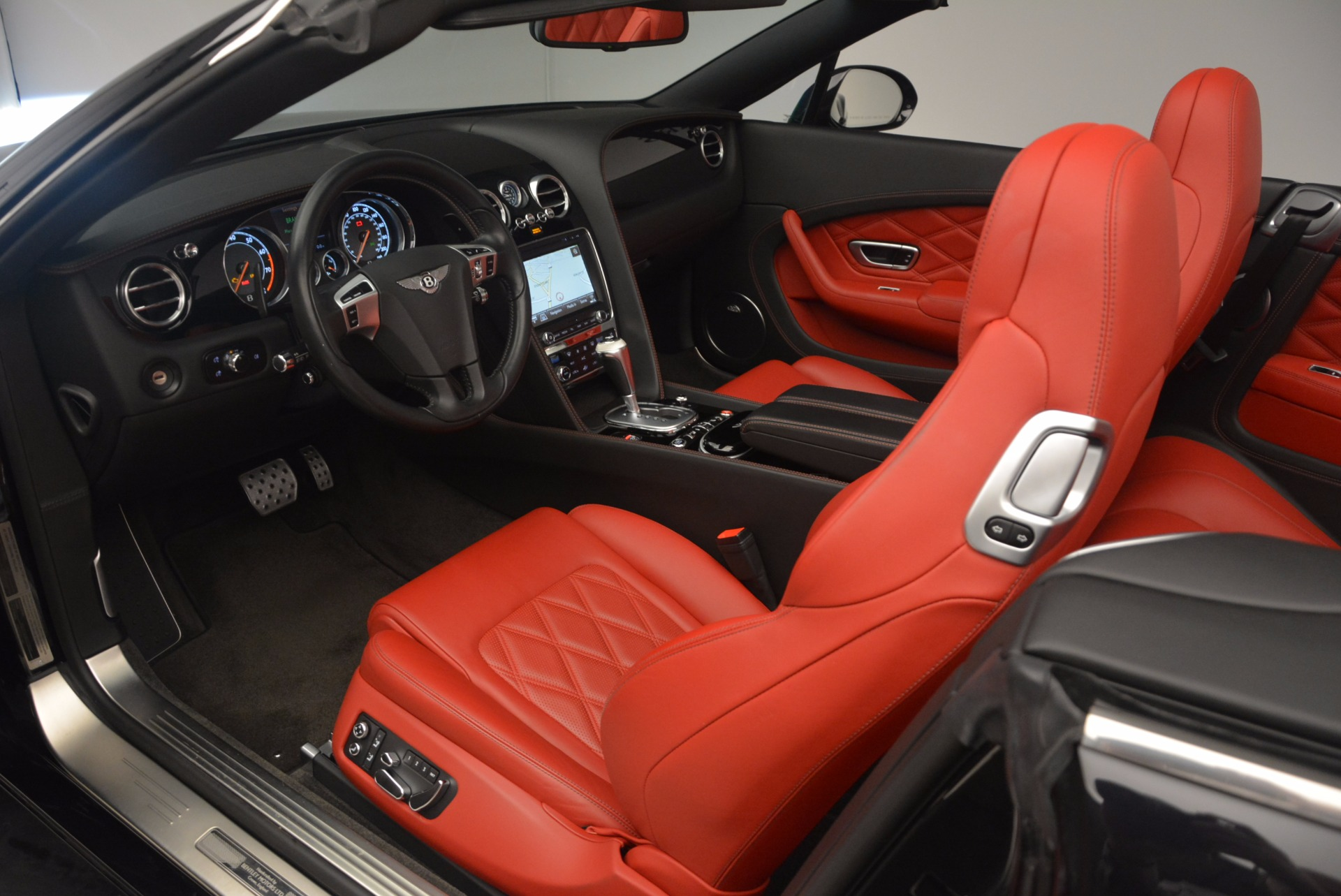 Used 2012 Bentley Continental GT W12 Convertible For Sale In Westport, CT 1104_p35