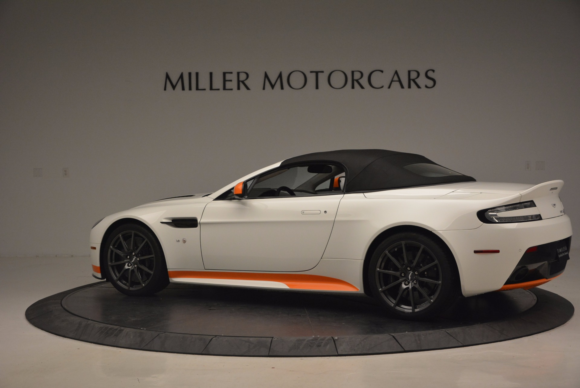 Used 2017 Aston Martin V12 Vantage S Convertible For Sale In Westport, CT 1134_p16