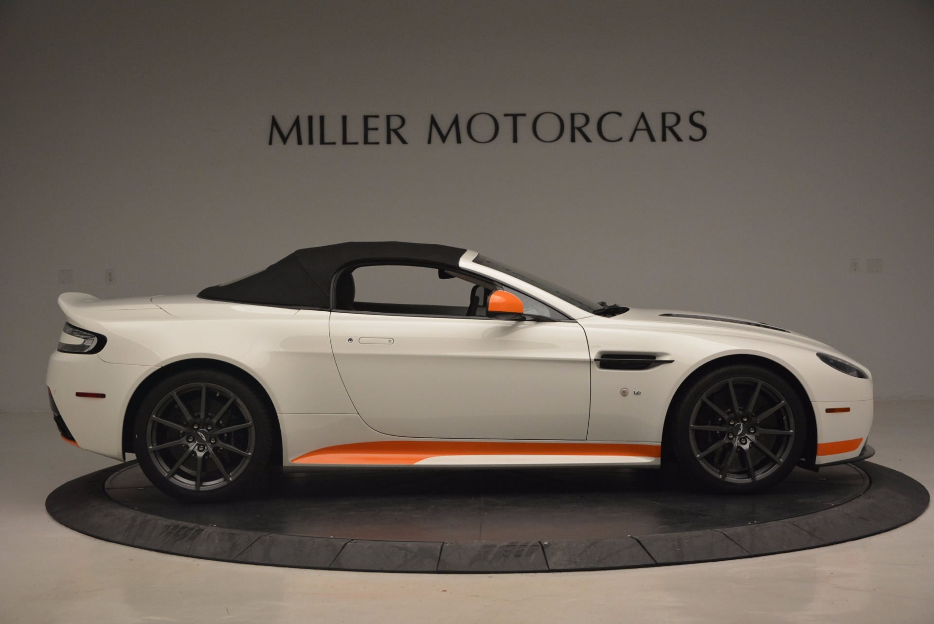 Used 2017 Aston Martin V12 Vantage S Convertible For Sale In Westport, CT 1134_p21