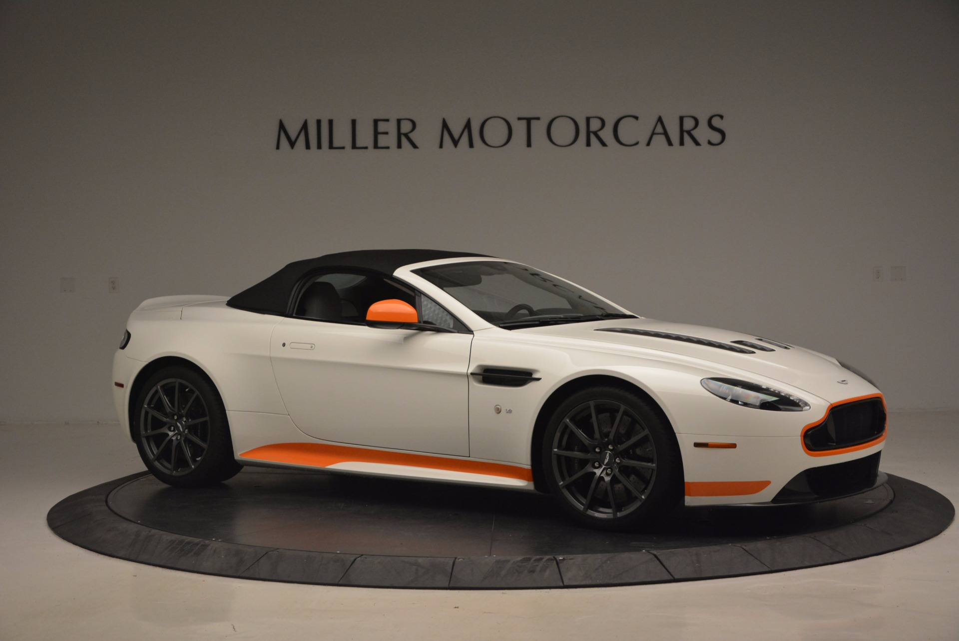 Used 2017 Aston Martin V12 Vantage S Convertible For Sale In Westport, CT 1134_p22