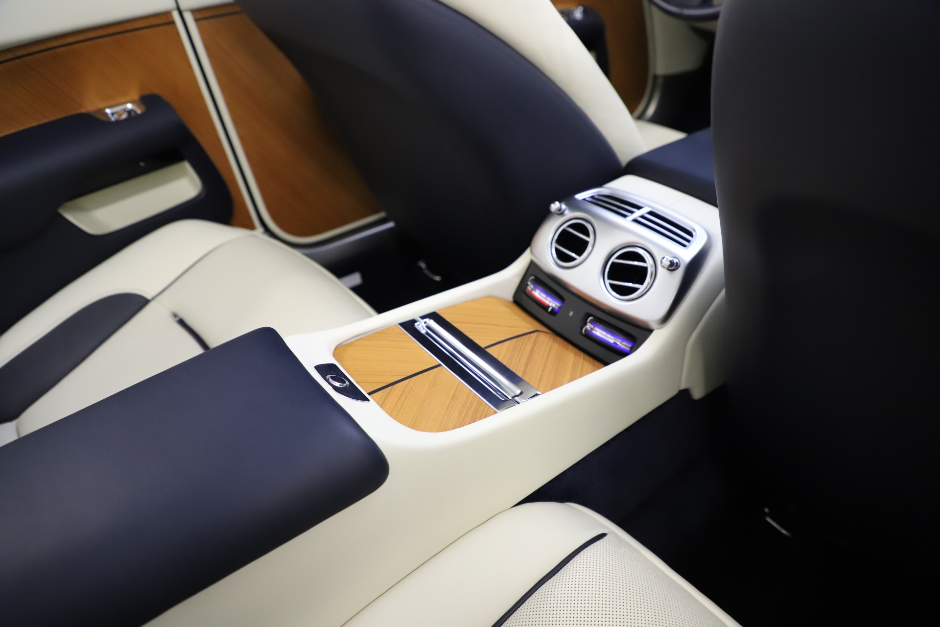 Used 2017 Rolls-Royce Dawn  For Sale In Westport, CT 1138_p51