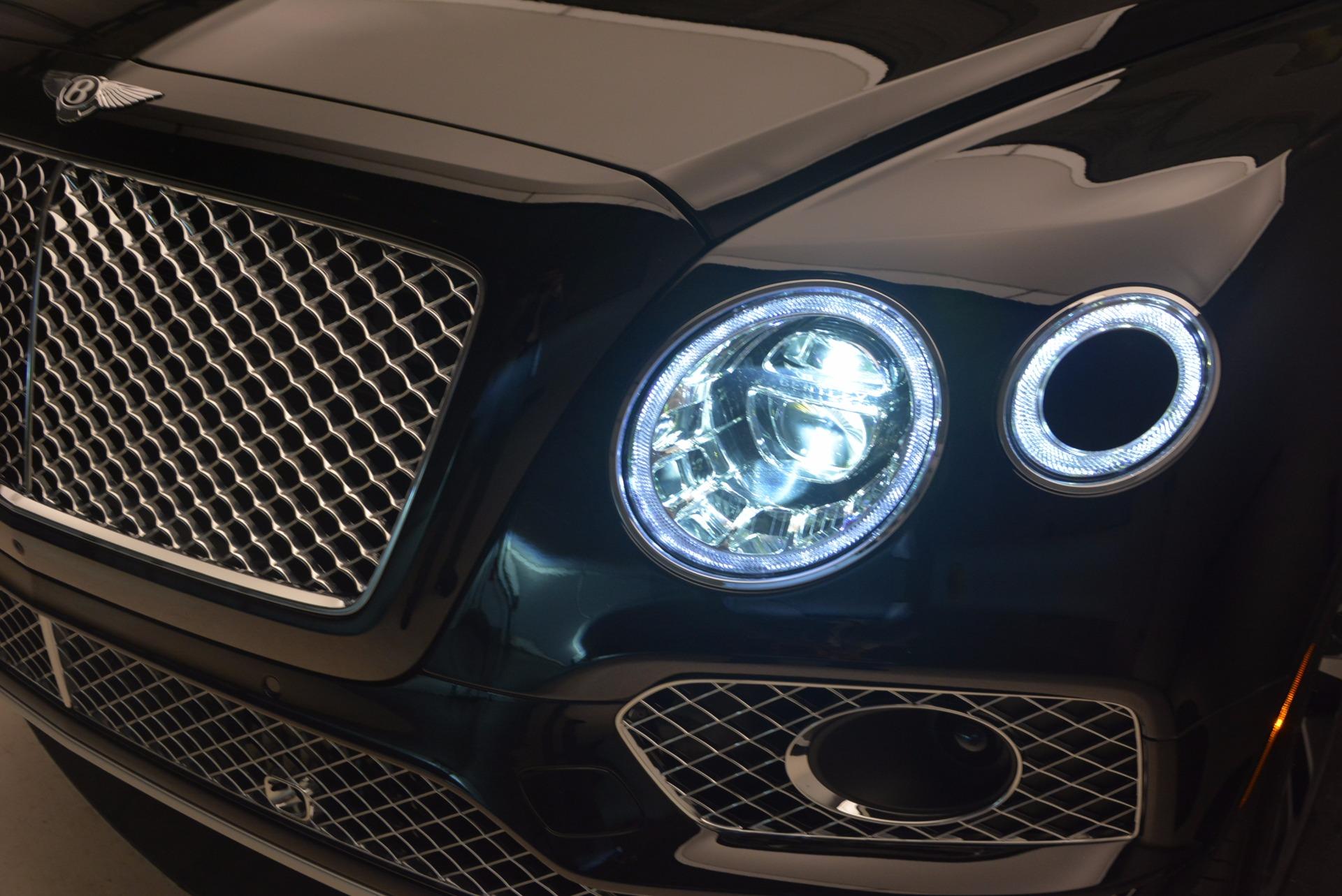 Used 2017 Bentley Bentayga  For Sale In Westport, CT 1139_p18