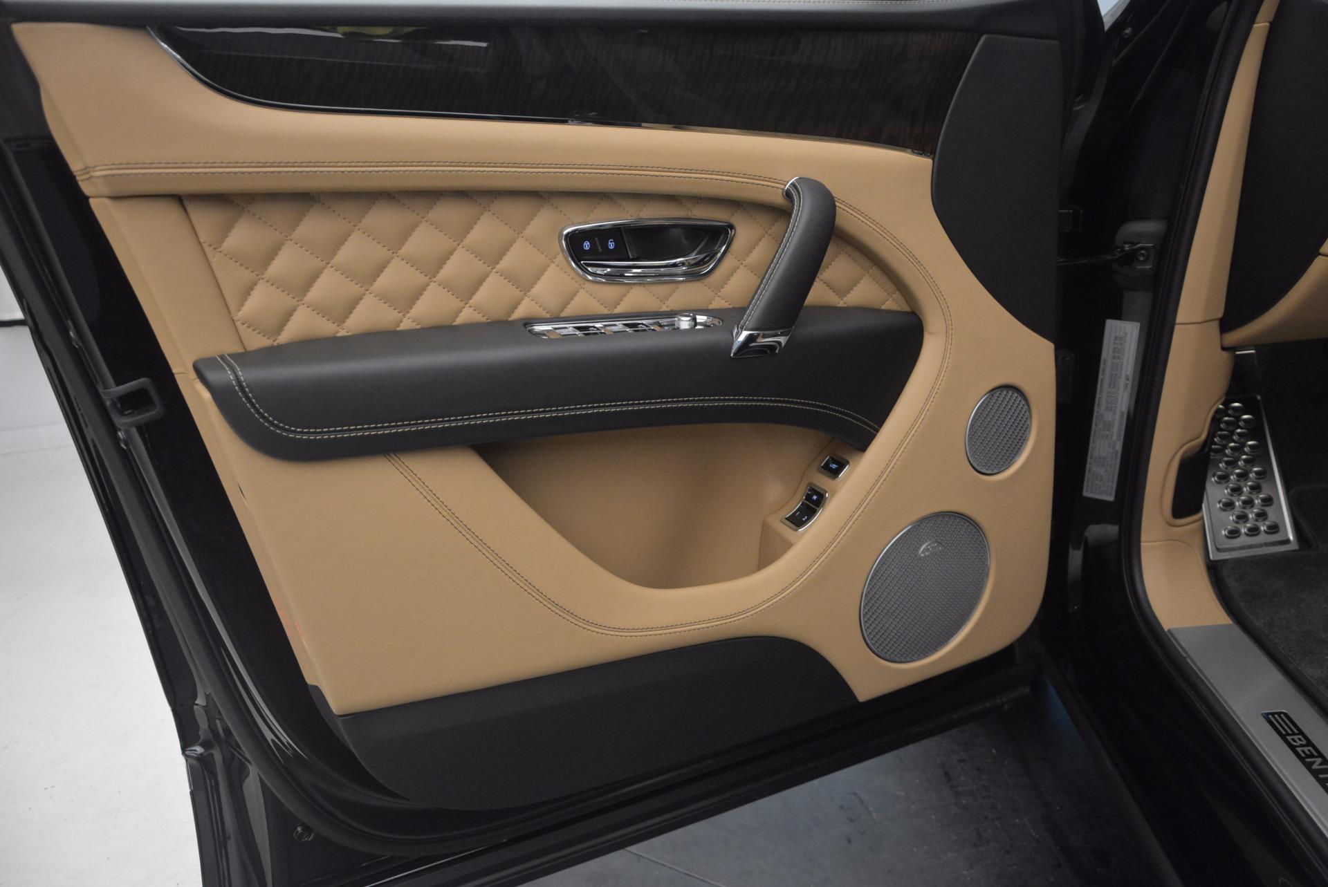 Used 2017 Bentley Bentayga  For Sale In Westport, CT 1139_p24
