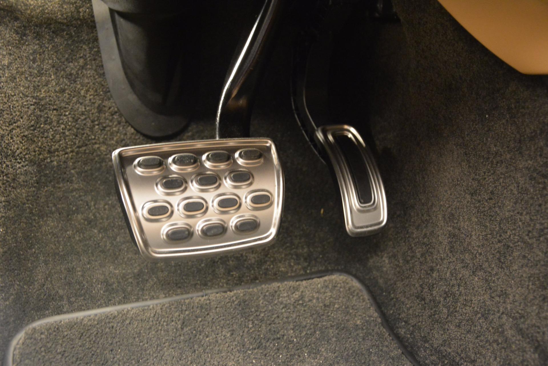 Used 2017 Bentley Bentayga  For Sale In Westport, CT 1139_p27