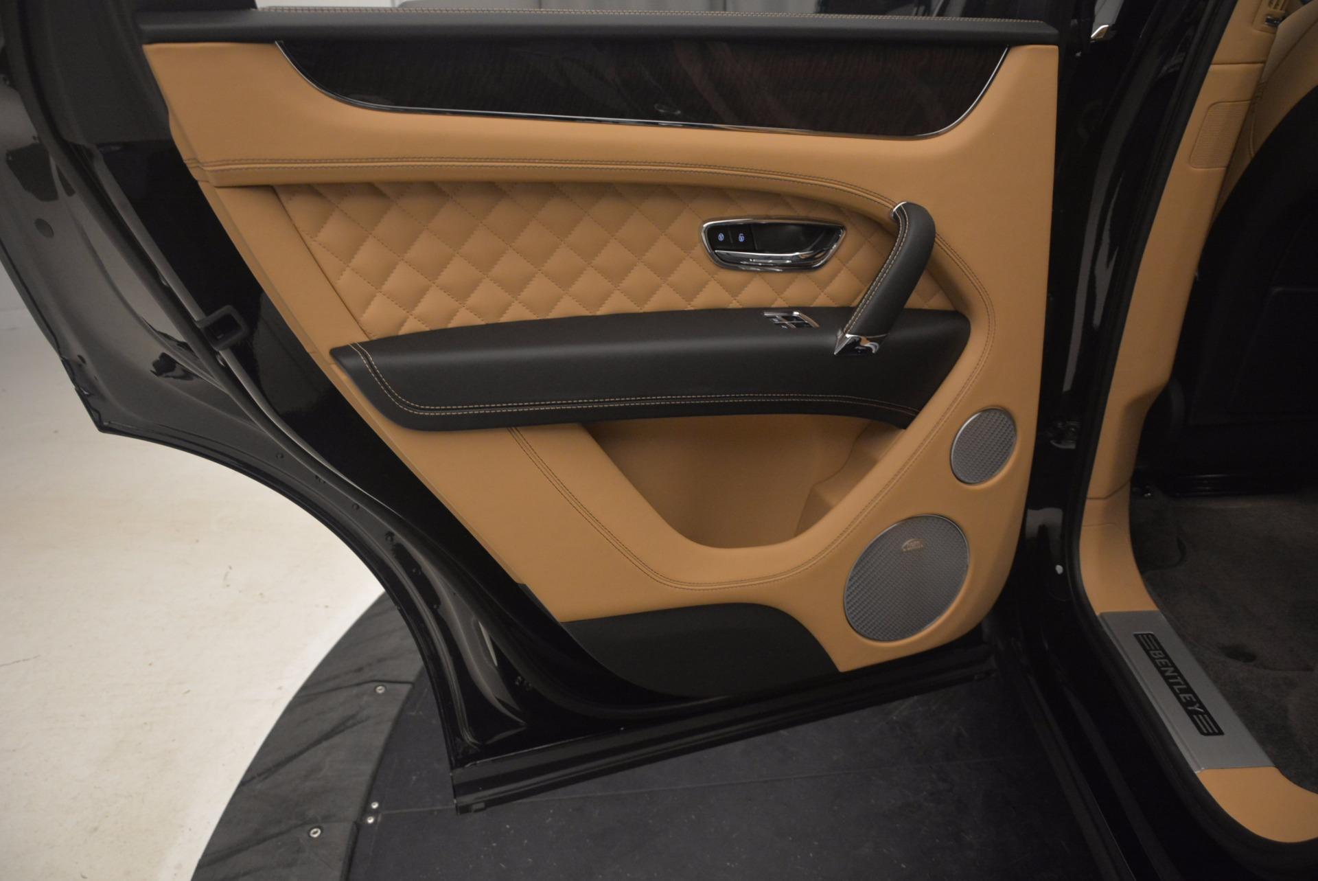 Used 2017 Bentley Bentayga  For Sale In Westport, CT 1139_p30