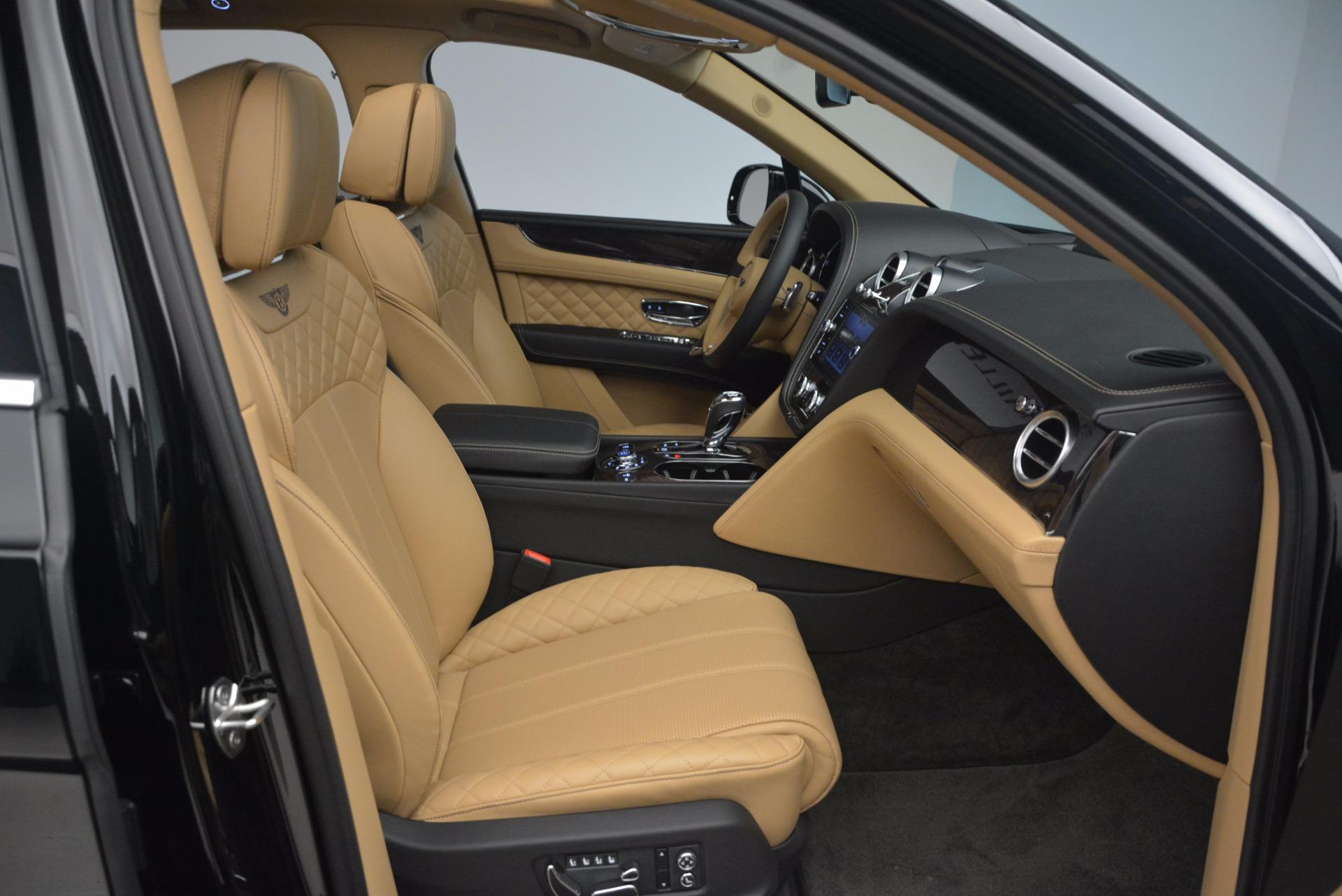 Used 2017 Bentley Bentayga  For Sale In Westport, CT 1139_p40