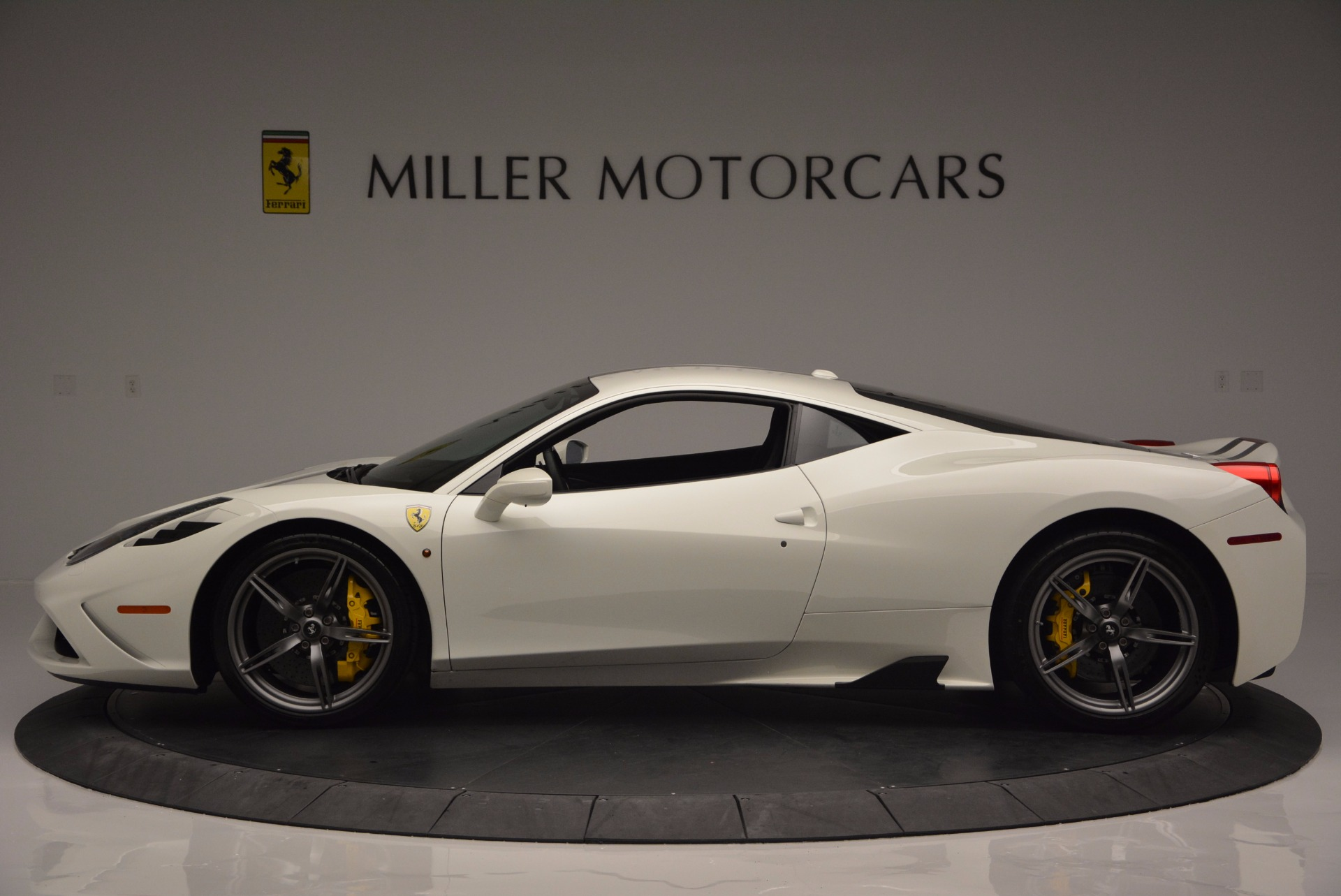 Used 2015 Ferrari 458 Speciale  For Sale In Westport, CT 1147_p3