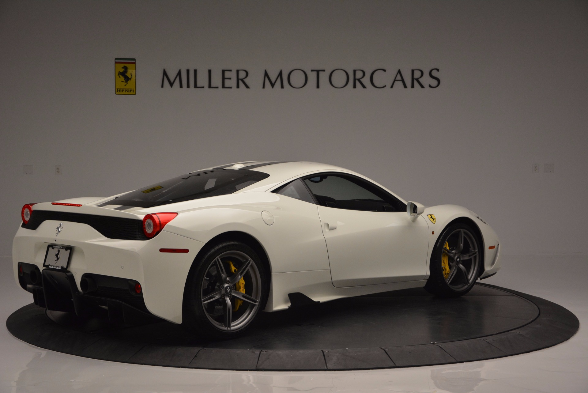 Used 2015 Ferrari 458 Speciale  For Sale In Westport, CT 1147_p9