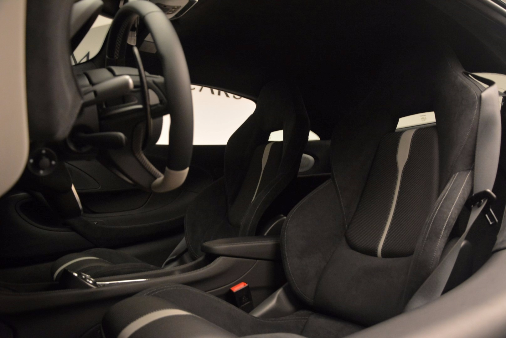 New 2017 McLaren 570S  For Sale In Westport, CT 1148_p17