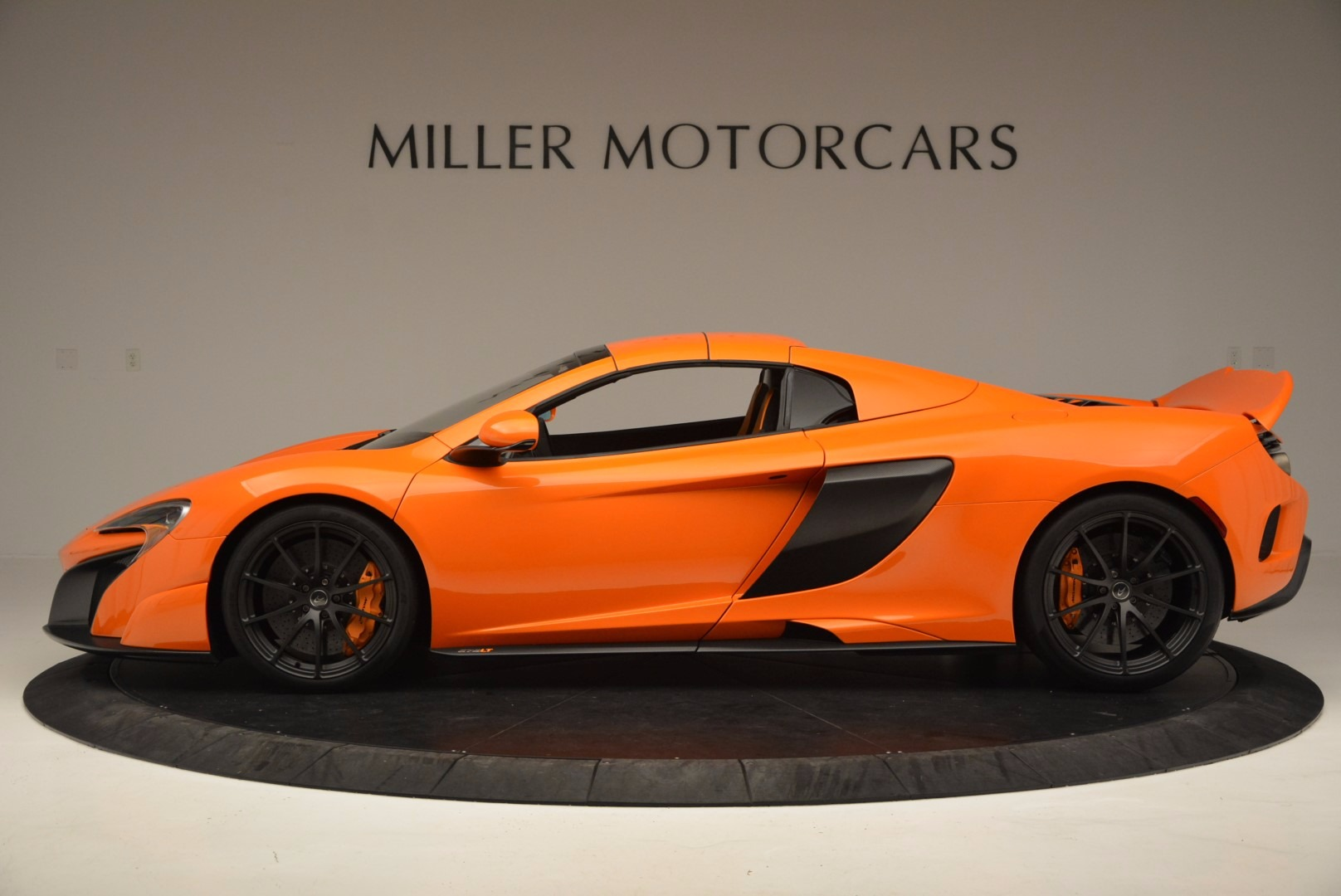 Used 2016 McLaren 675LT Spider Convertible For Sale In Westport, CT 1150_p15