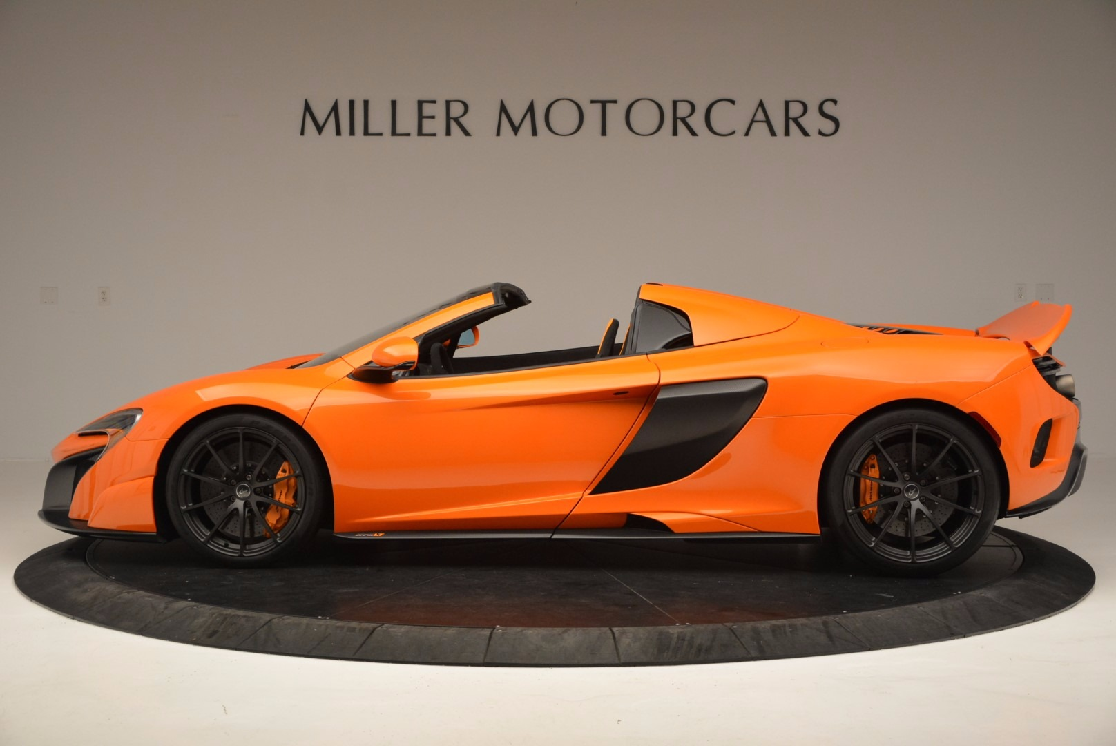 Used 2016 McLaren 675LT Spider Convertible For Sale In Westport, CT 1150_p3