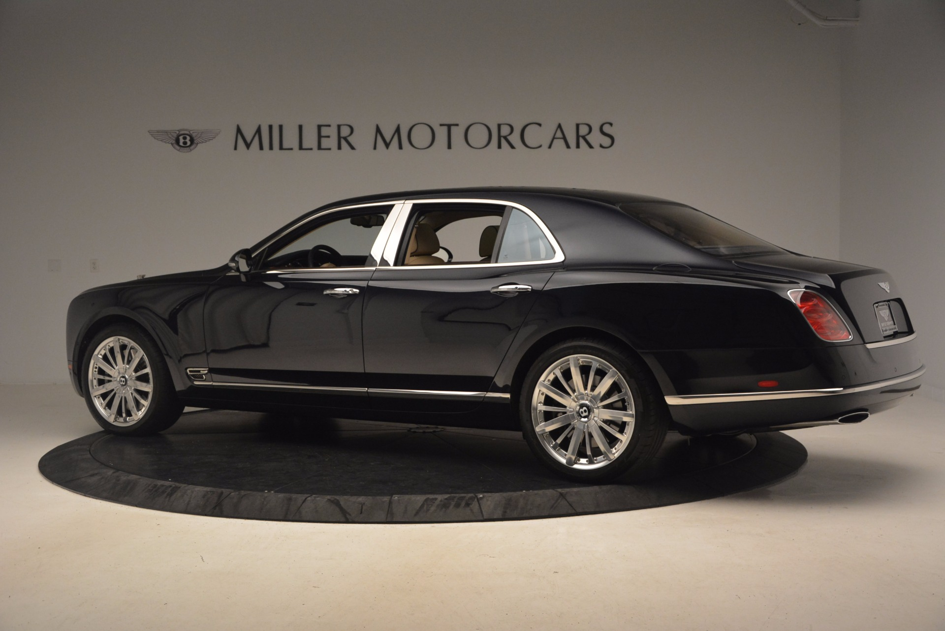 Used 2016 Bentley Mulsanne  For Sale In Westport, CT 1173_p4