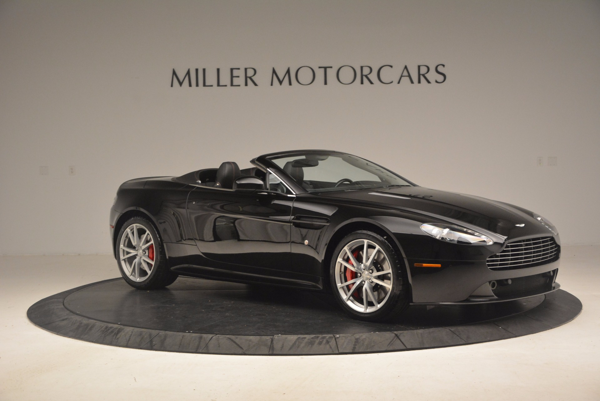 Used 2012 Aston Martin V8 Vantage S Roadster For Sale In Westport, CT 1181_p10