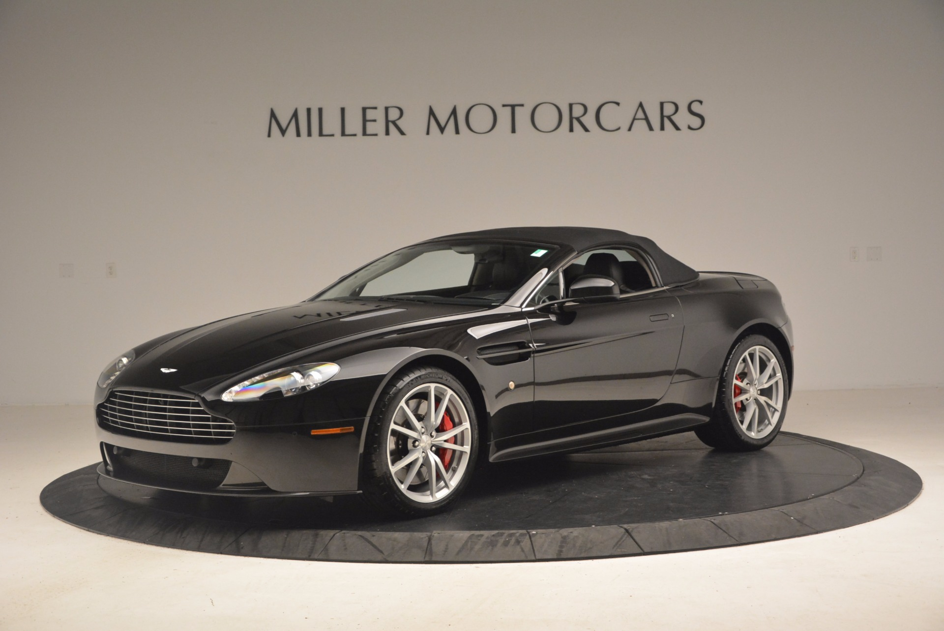 Used 2012 Aston Martin V8 Vantage S Roadster For Sale In Westport, CT 1181_p14
