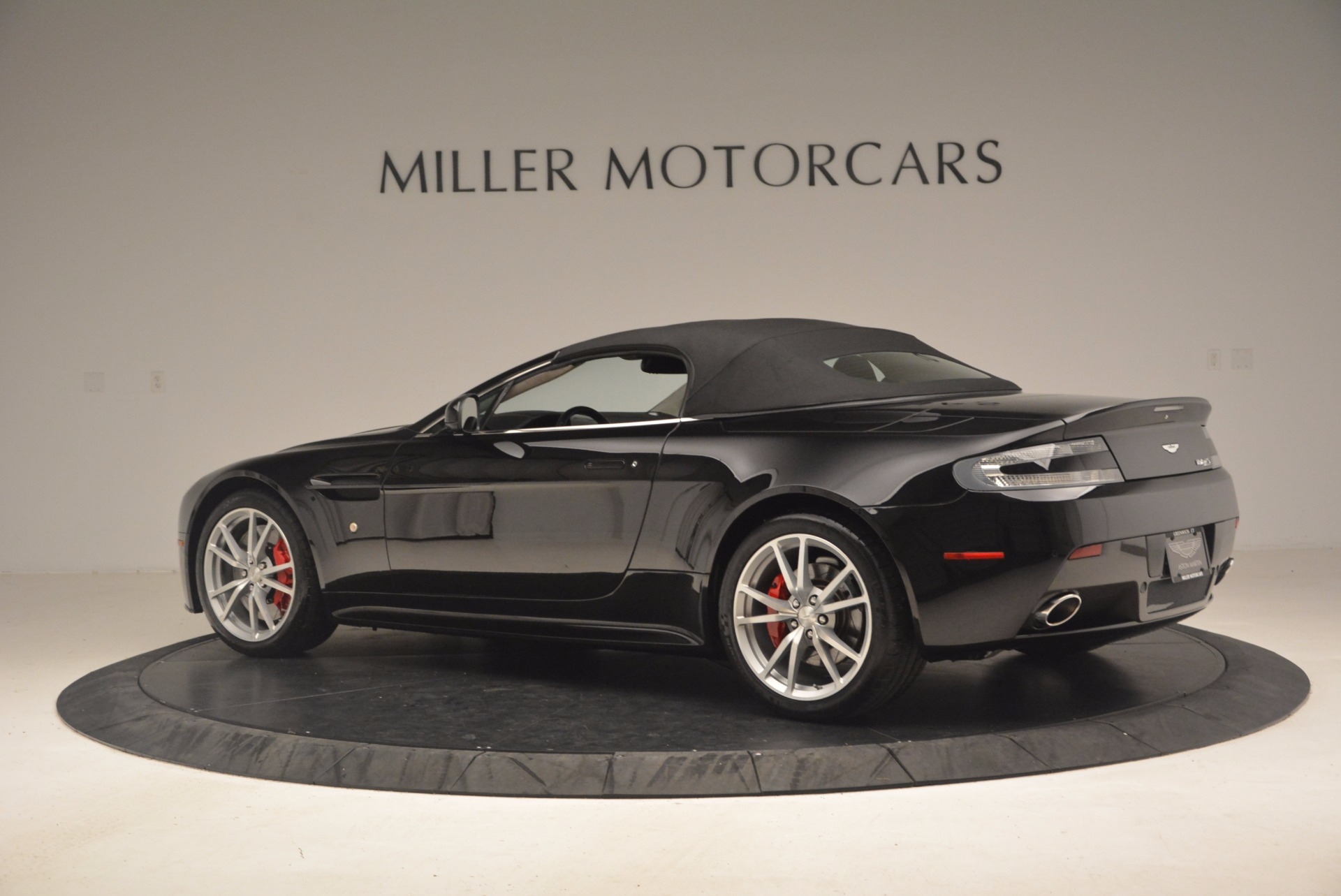 Used 2012 Aston Martin V8 Vantage S Roadster For Sale In Westport, CT 1181_p16
