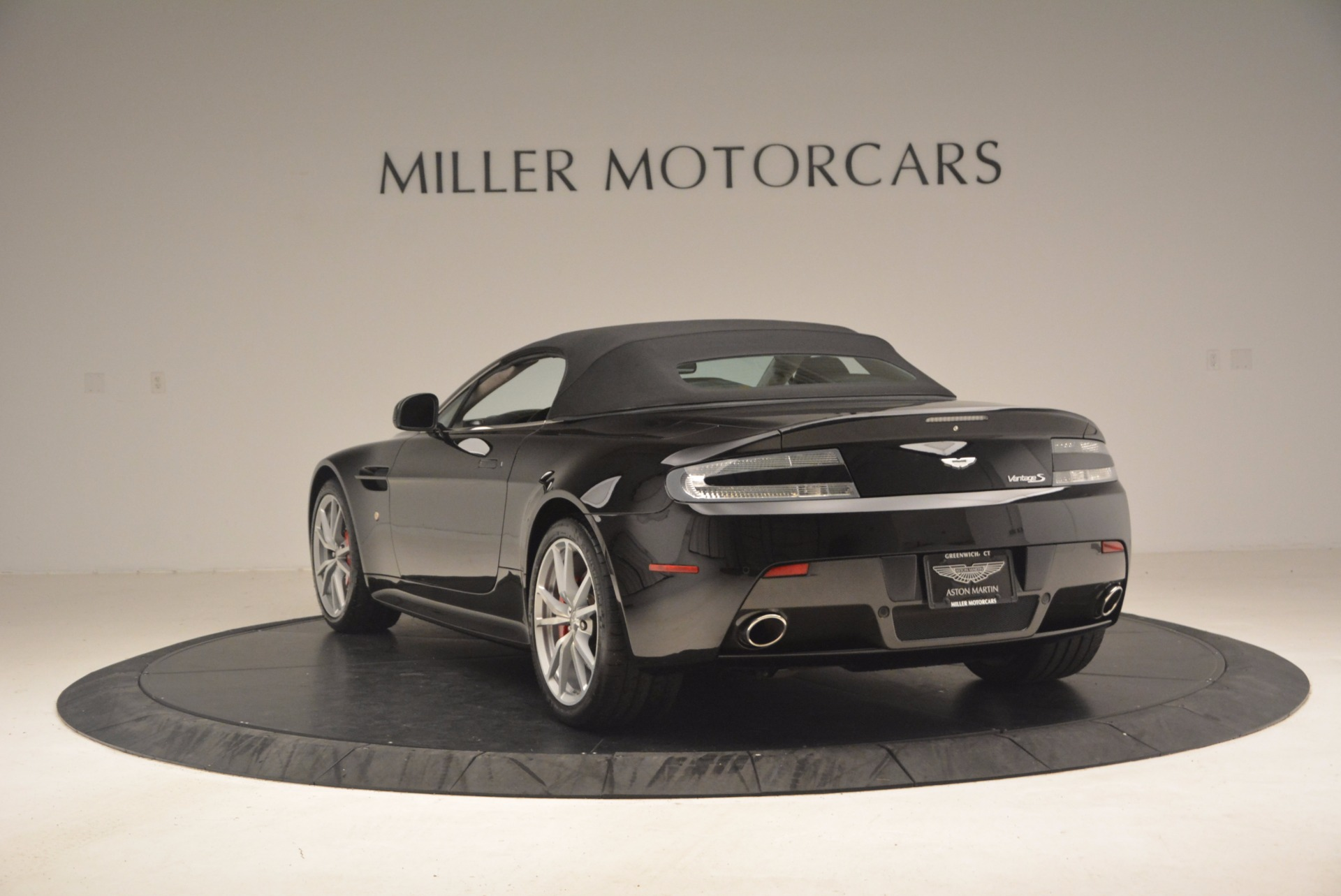 Used 2012 Aston Martin V8 Vantage S Roadster For Sale In Westport, CT 1181_p17
