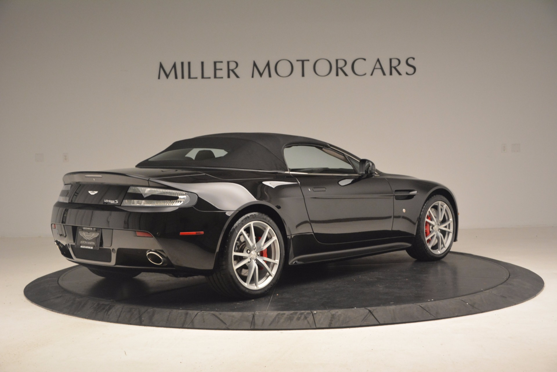 Used 2012 Aston Martin V8 Vantage S Roadster For Sale In Westport, CT 1181_p20