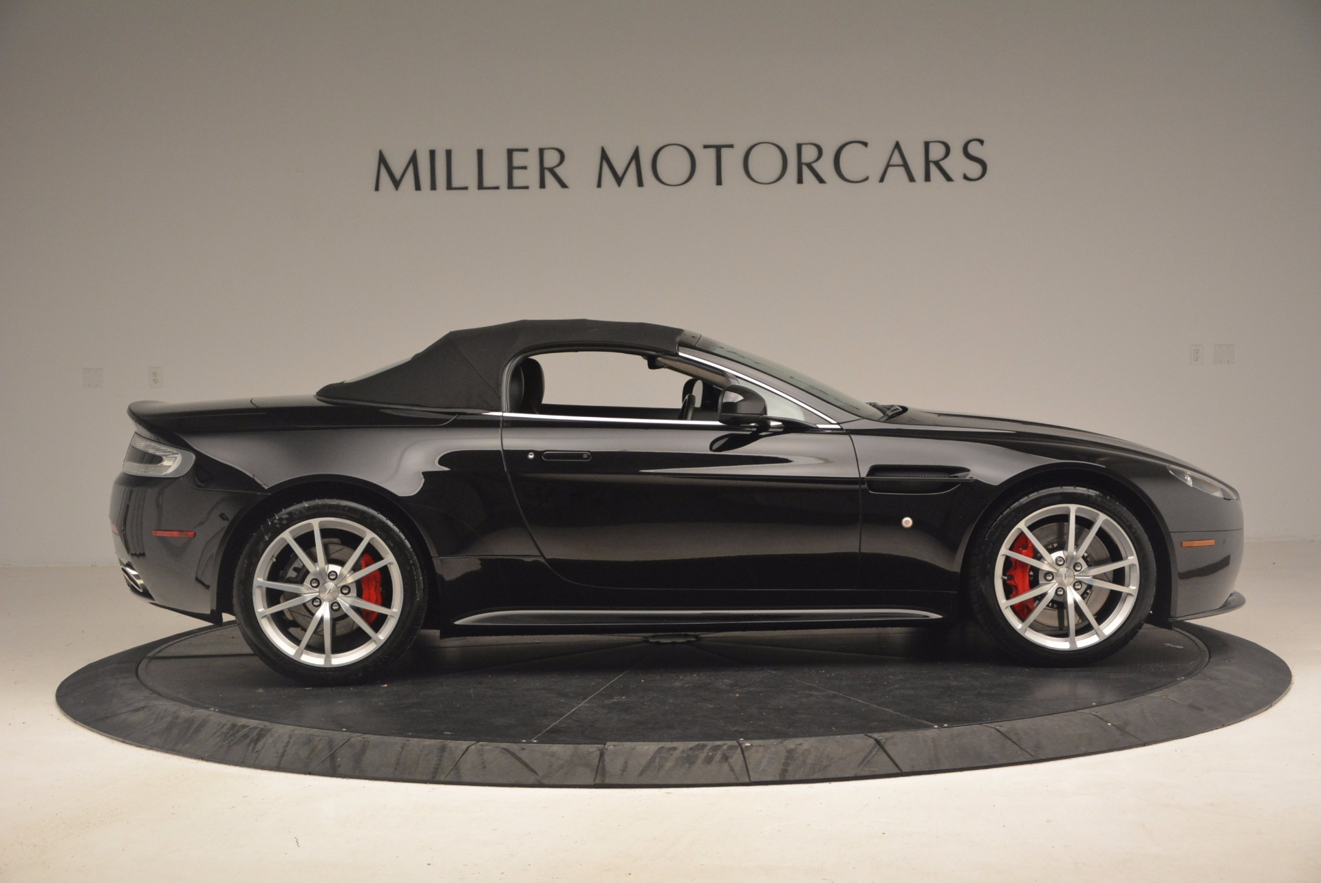 Used 2012 Aston Martin V8 Vantage S Roadster For Sale In Westport, CT 1181_p21