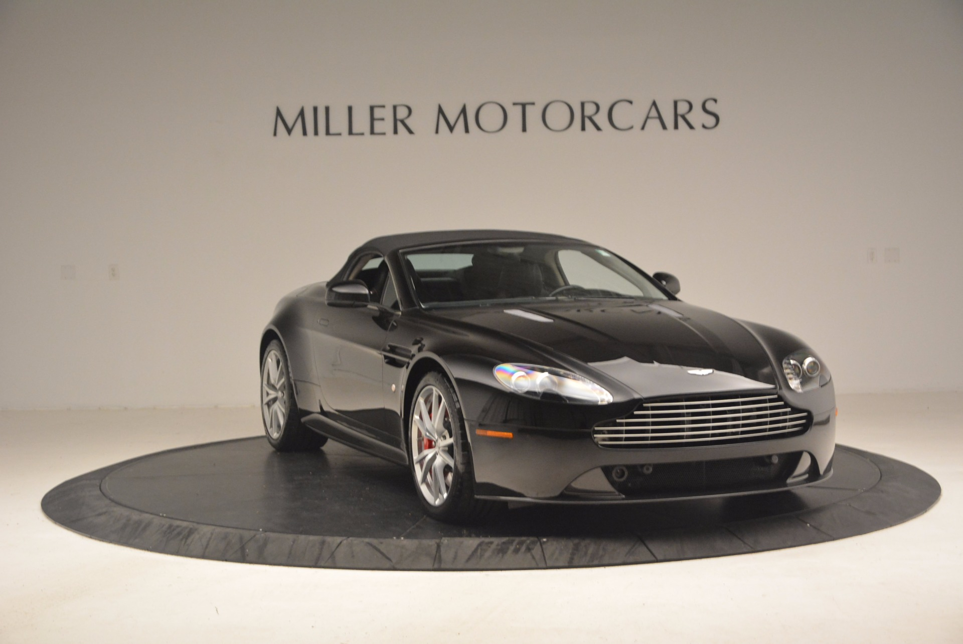 Used 2012 Aston Martin V8 Vantage S Roadster For Sale In Westport, CT 1181_p23