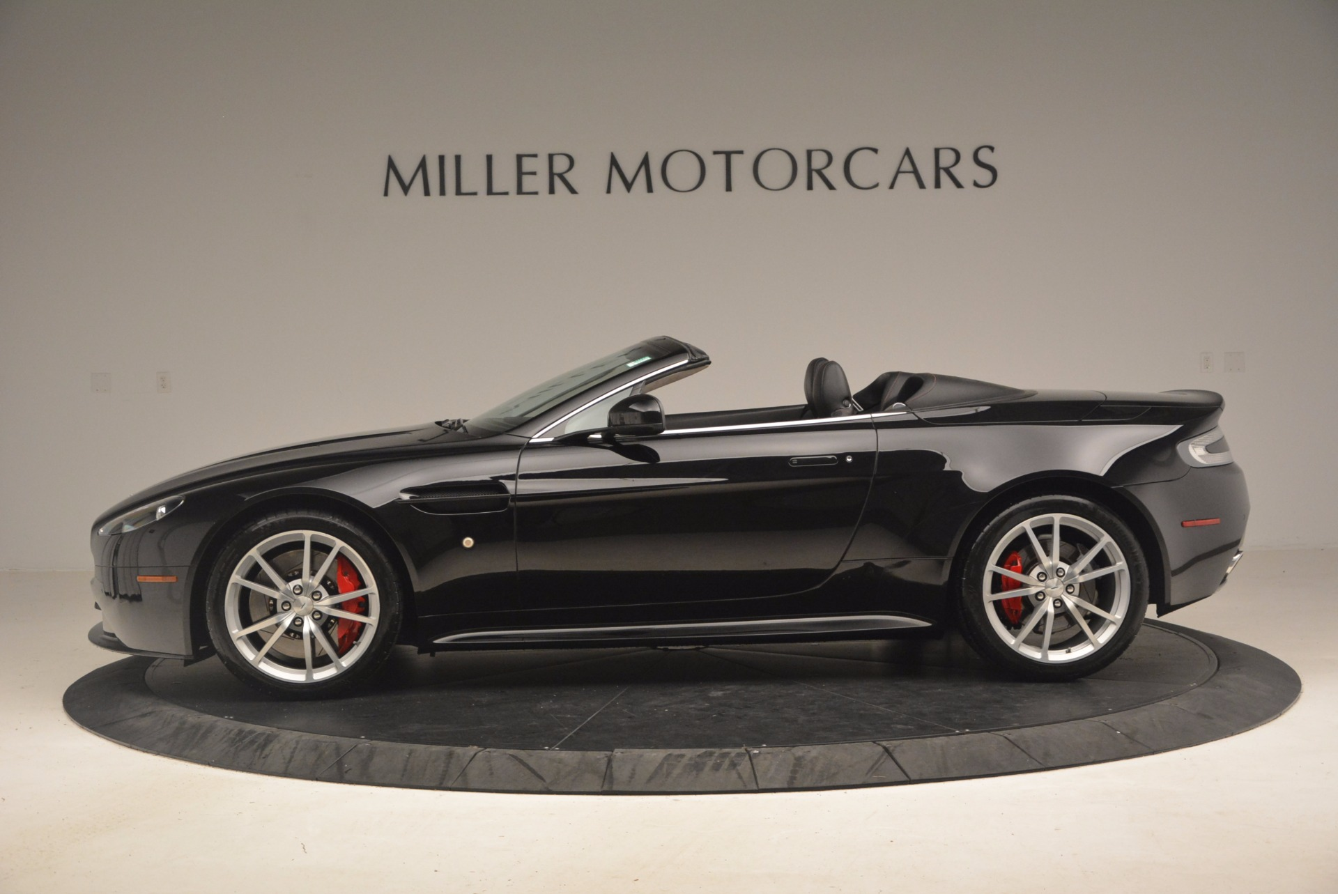 Used 2012 Aston Martin V8 Vantage S Roadster For Sale In Westport, CT 1181_p3