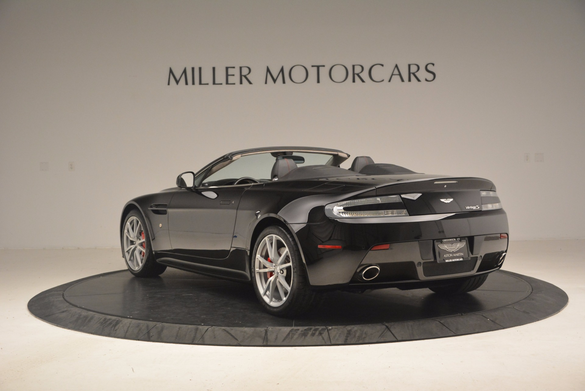 Used 2012 Aston Martin V8 Vantage S Roadster For Sale In Westport, CT 1181_p5