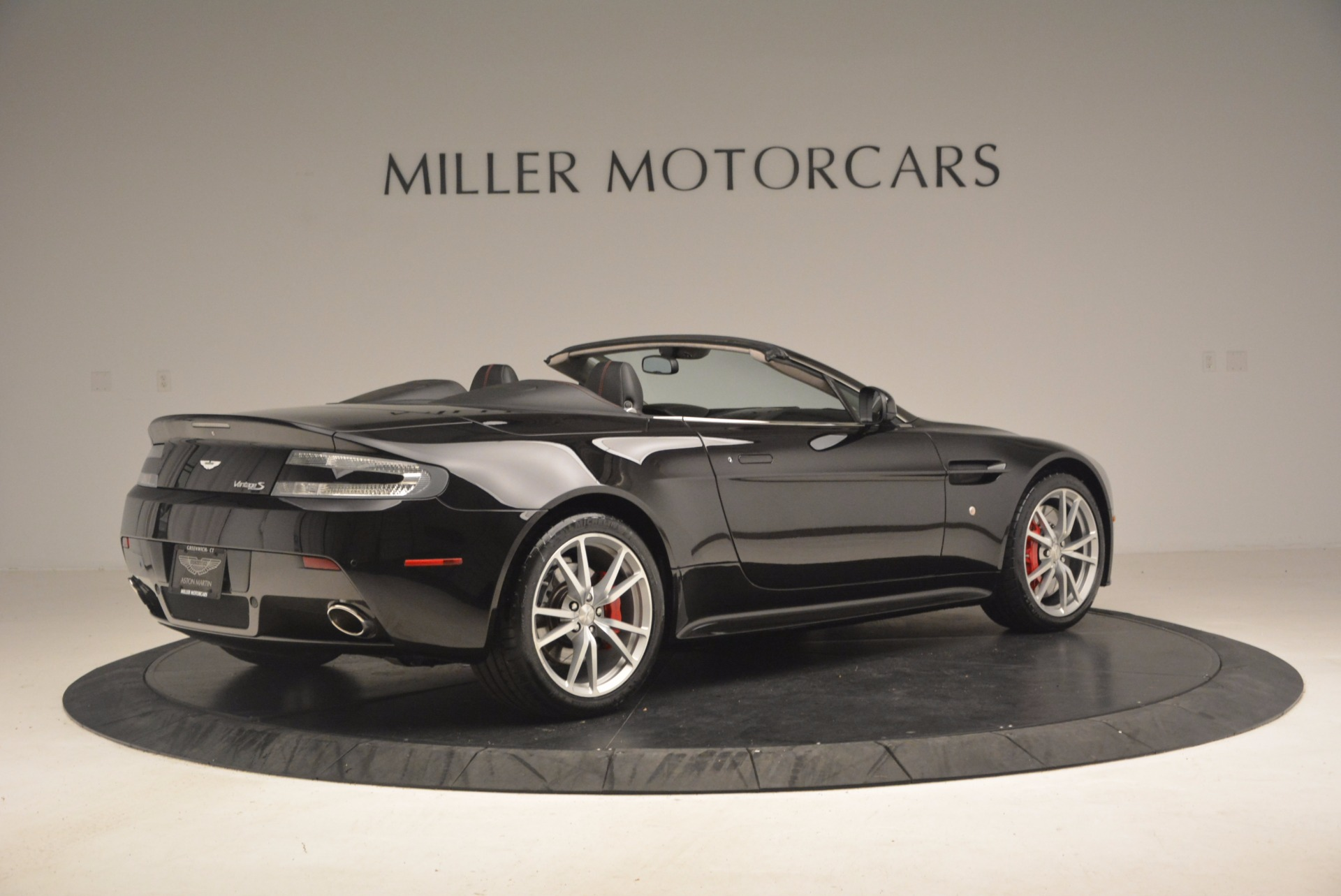 Used 2012 Aston Martin V8 Vantage S Roadster For Sale In Westport, CT 1181_p8