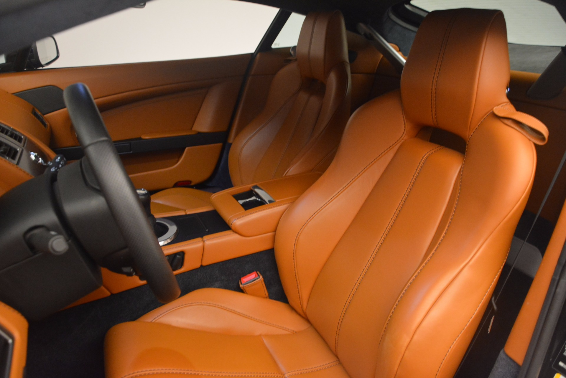 Used 2009 Aston Martin V8 Vantage  For Sale In Westport, CT 1183_p14