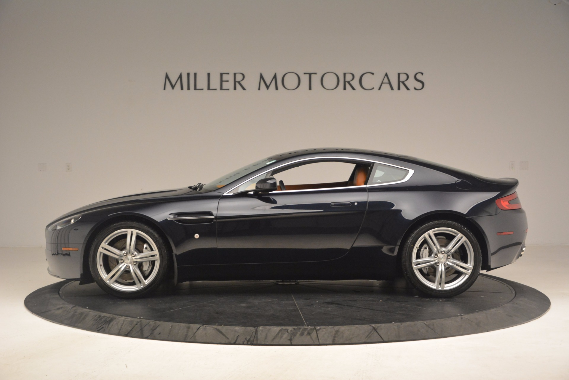 Used 2009 Aston Martin V8 Vantage  For Sale In Westport, CT 1183_p3