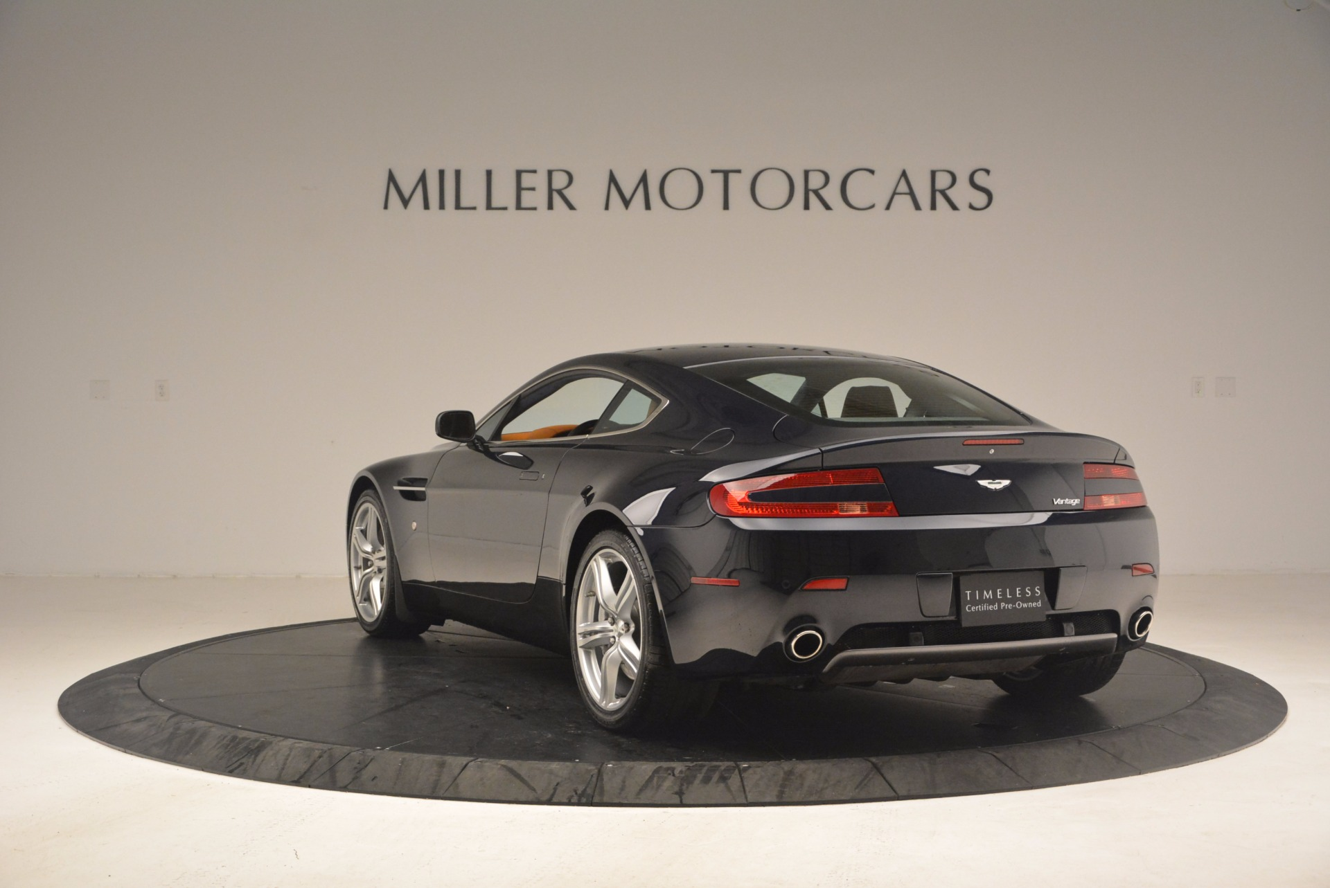Used 2009 Aston Martin V8 Vantage  For Sale In Westport, CT 1183_p5