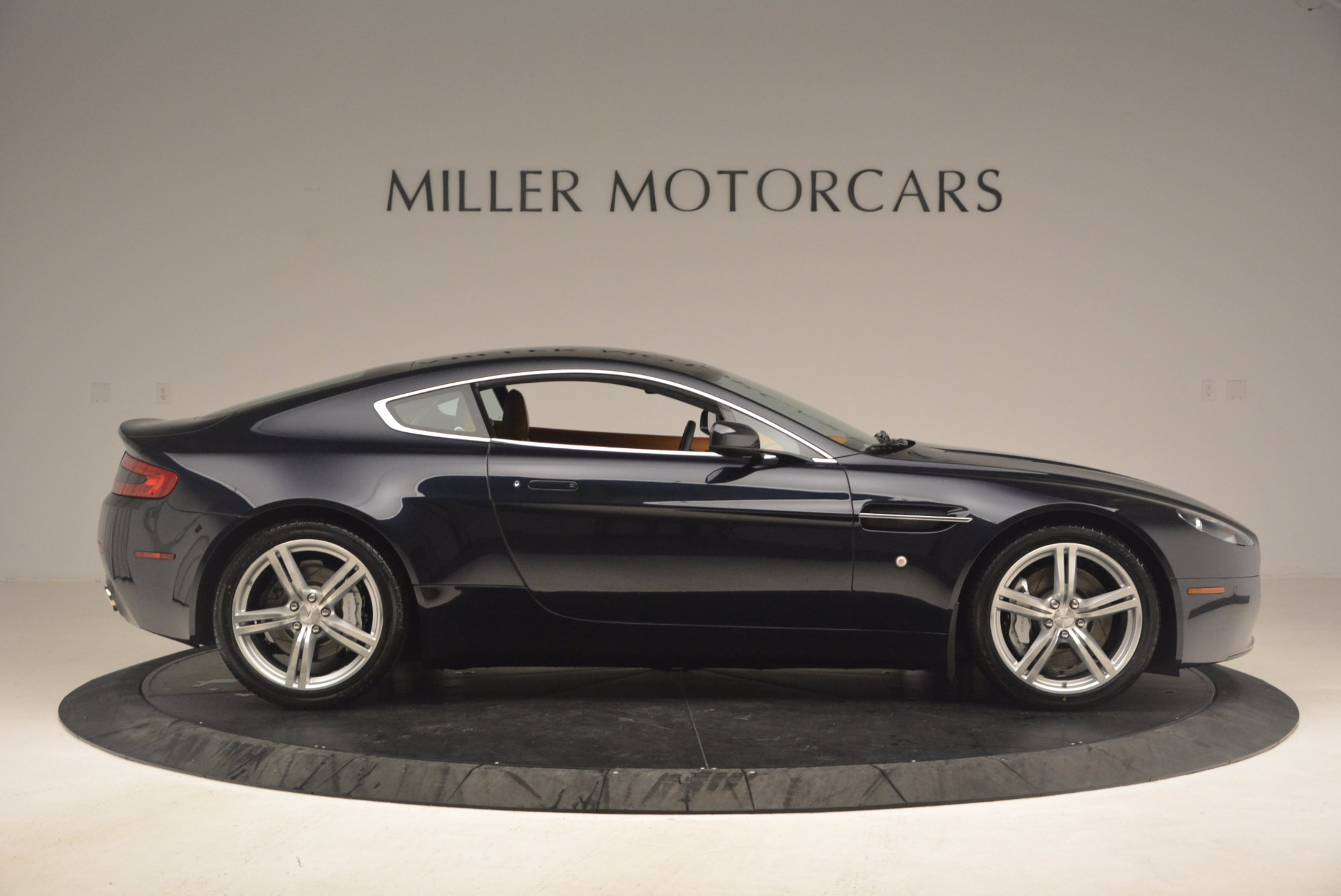 Used 2009 Aston Martin V8 Vantage  For Sale In Westport, CT 1183_p9
