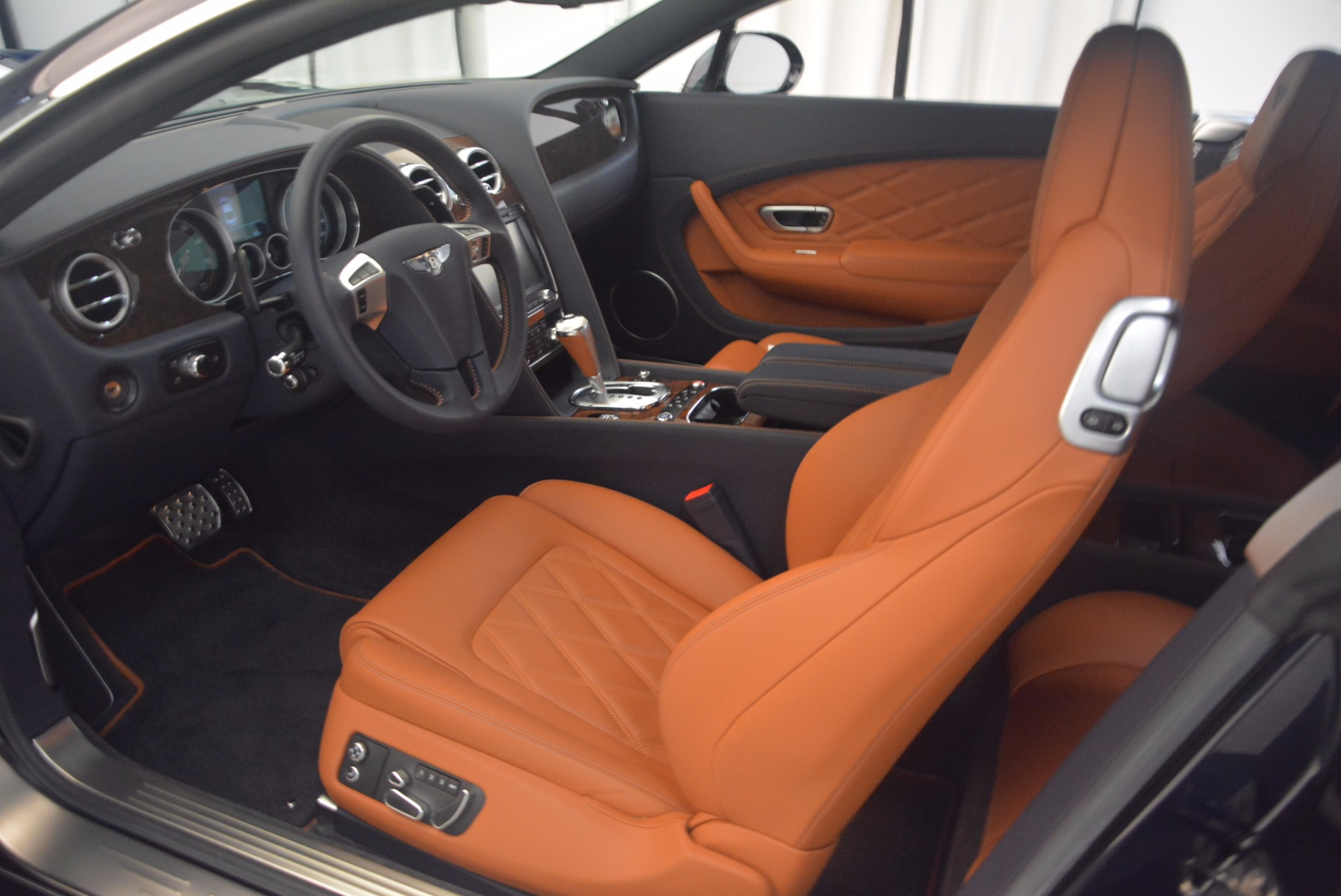 Used 2014 Bentley Continental GT V8 For Sale In Westport, CT 1187_p18