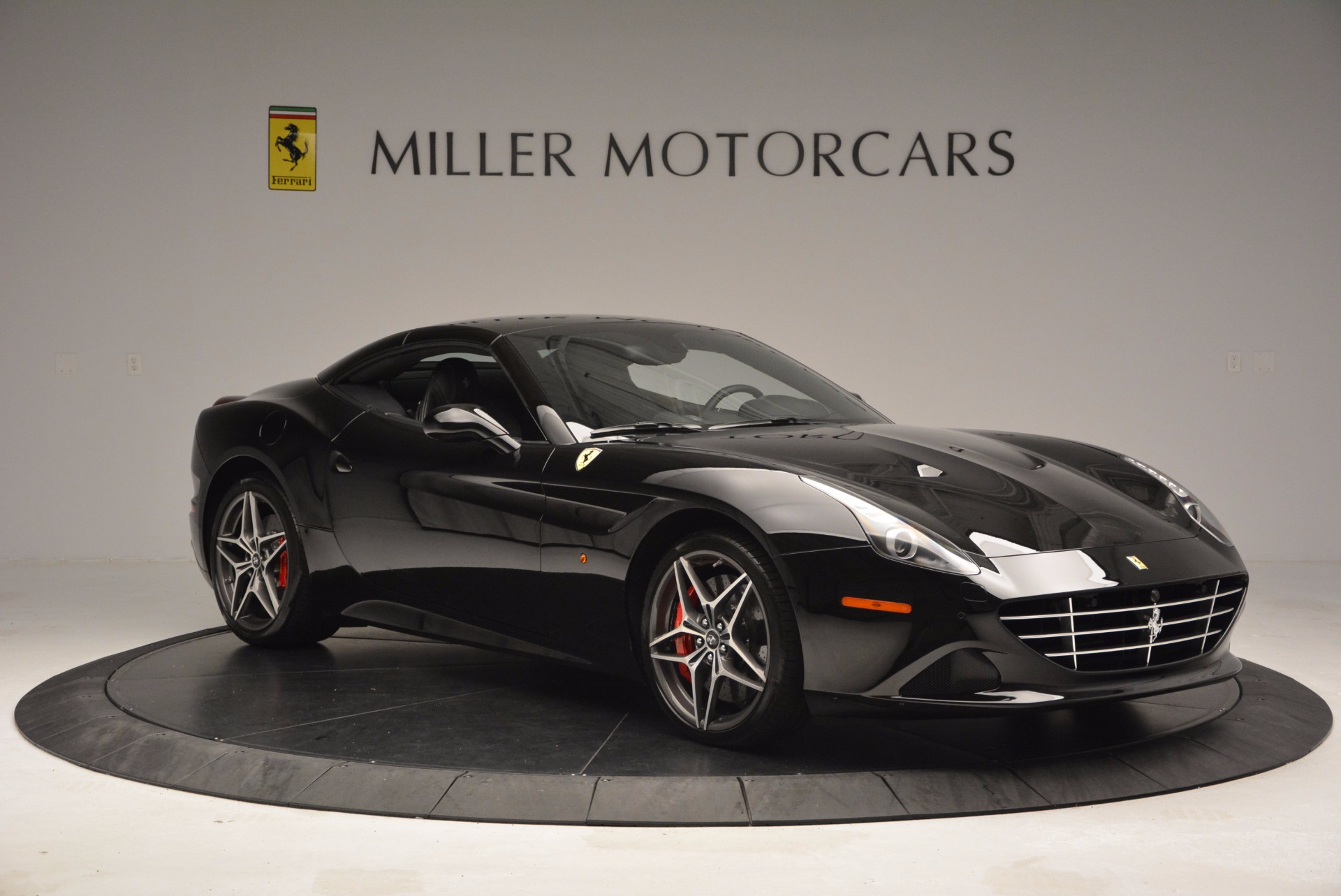Used 2015 Ferrari California T  For Sale In Westport, CT 1218_p23